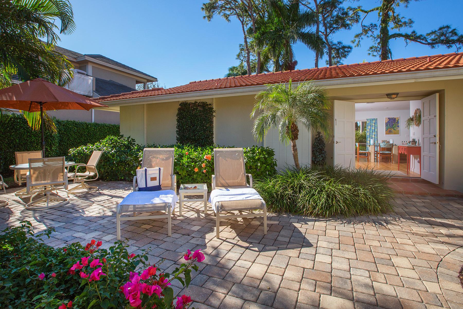 Villa per Vendita alle ore PARK SHORE - POINT WEST 765 Parkview Ln Naples, Florida, 34103 Stati Uniti