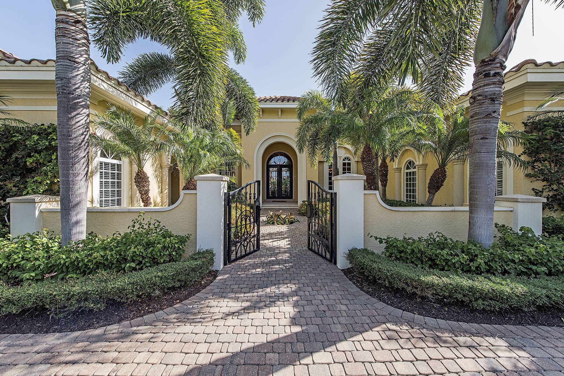 Single Family Home for Sale at SHADOW WOOD AT THE BROOKS 22130 Shallowater Ln Bonita Springs, Florida 34135 United States