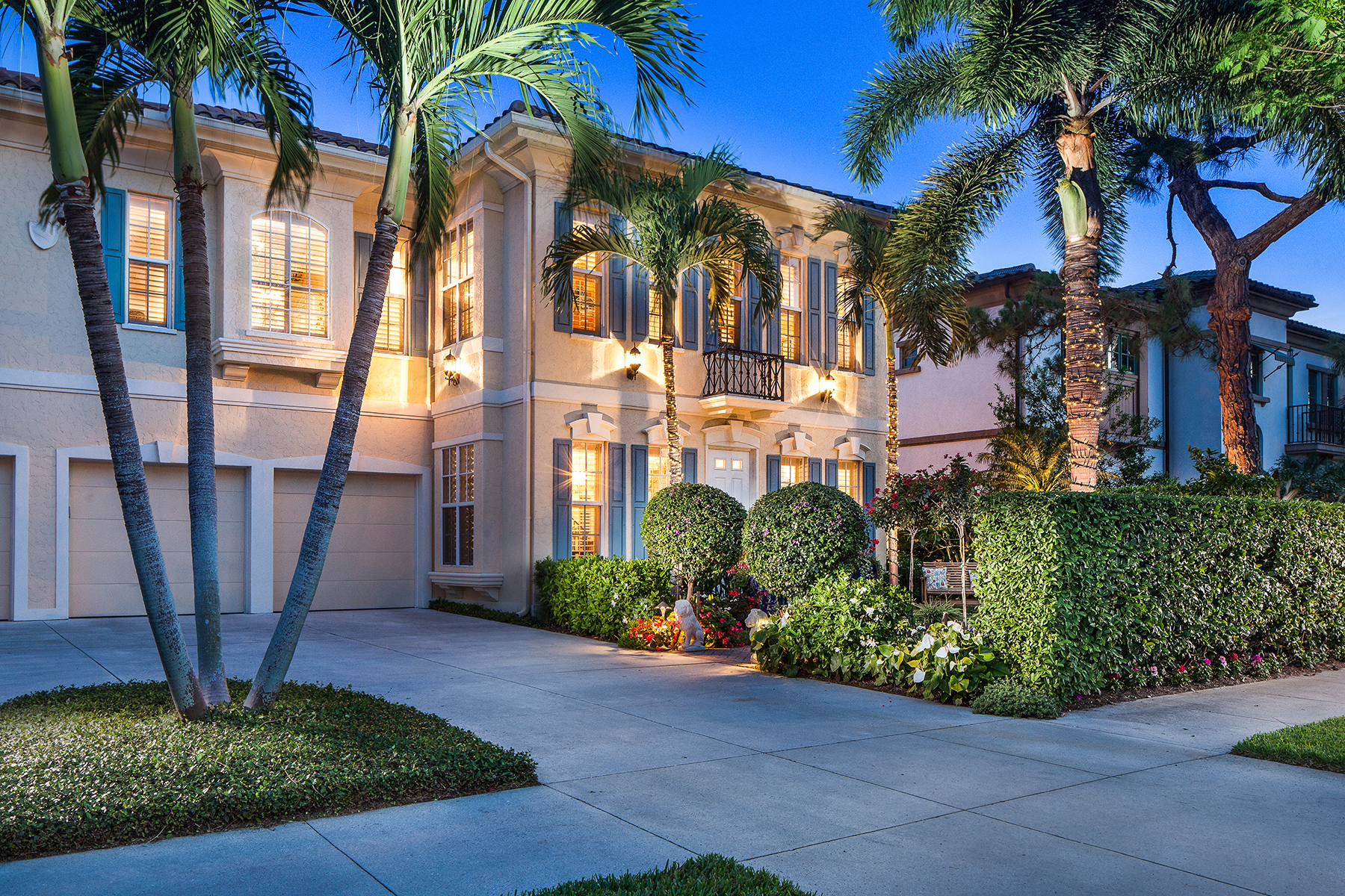 Condominium for Sale at OLDE NAPLES - LAS DUNAS 370 2nd Ave S Naples, Florida, 34102 United States