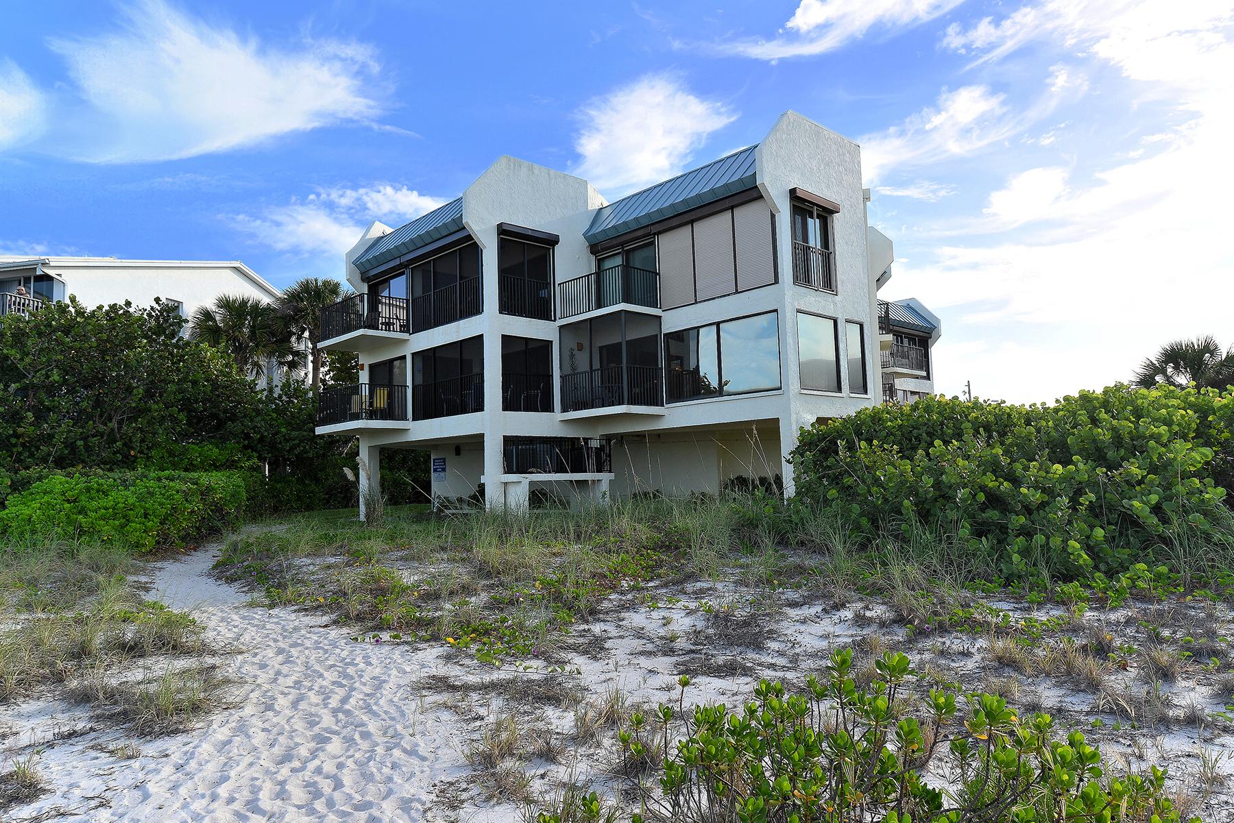 Appartement en copropriété pour l Vente à ANNA MARIA BEACHFRONT CONDO 5608 Gulf Dr 116 Holmes Beach, Florida, 34217 États-Unis