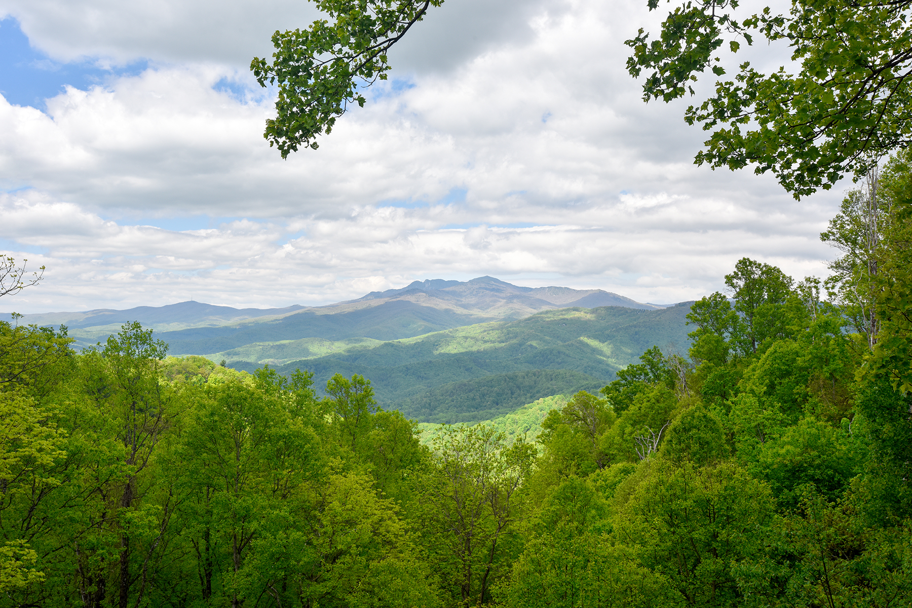 Single Family Home for Sale at LENOIR - HERMAN HEIRS 7961 Rocky Knob Rd. Lenoir, North Carolina, 28645 United StatesIn/Around: Blowing Rock