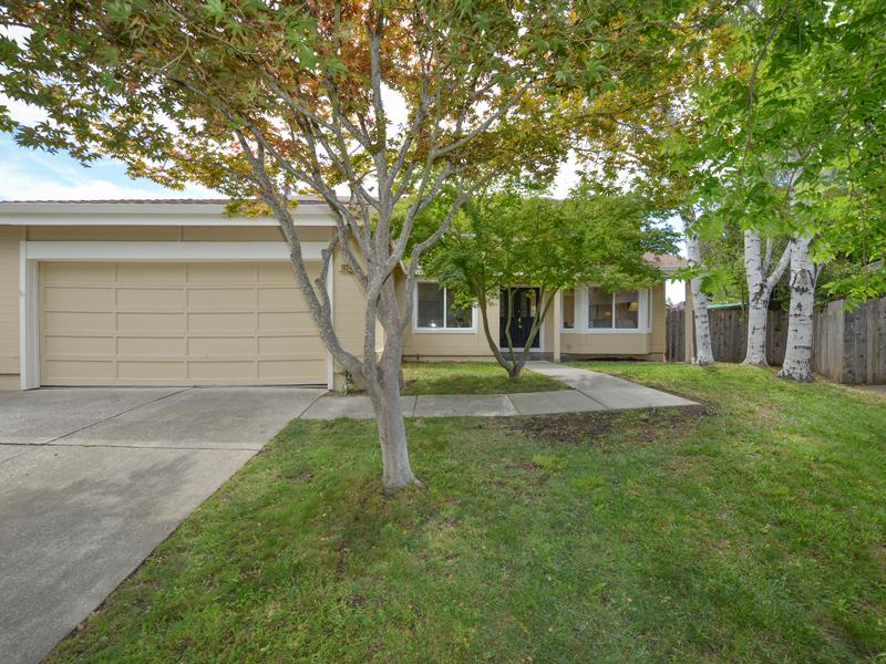 Casa para uma família para Venda às 1024 Century Dr, Napa, CA 94558 1024 Century Dr Napa, Califórnia 94558 Estados Unidos