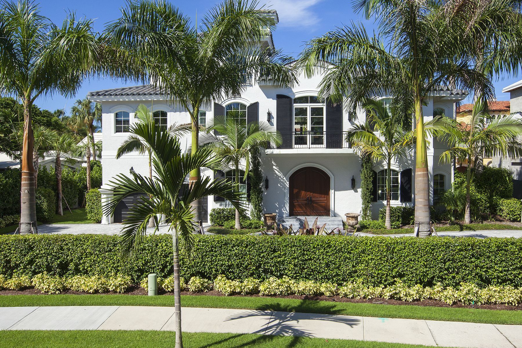 Single Family Home for Sale at OLD NAPLES 629 Gulf Shore Blvd N, Naples, Florida 34102 United States