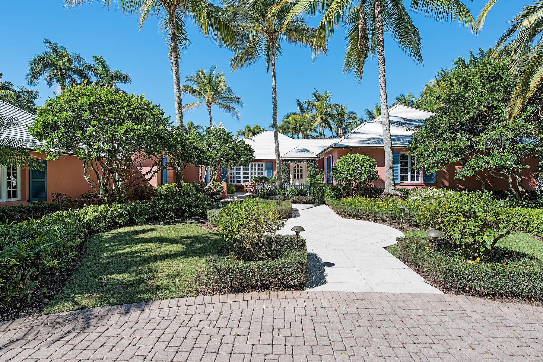 Villa per Vendita alle ore PORT ROYAL 1442 Galleon Dr Port Royal, Naples, Florida, 34102 Stati Uniti
