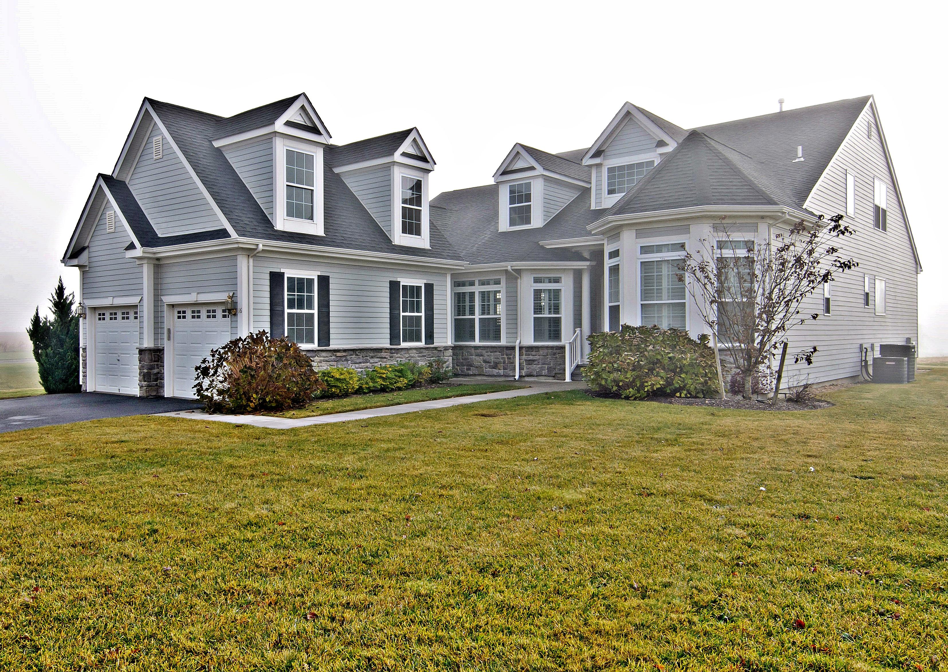 Einfamilienhaus für Verkauf beim Homeowner Assoc 16 Foxglove Row Aquebogue, New York, 11931 Vereinigte Staaten
