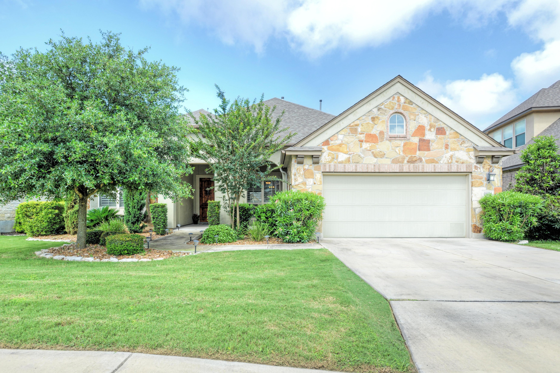 Single Family Home for Sale at Pristine One-Story in Rogers Ranch 18919 Salado Cyn San Antonio, Texas 78258 United States