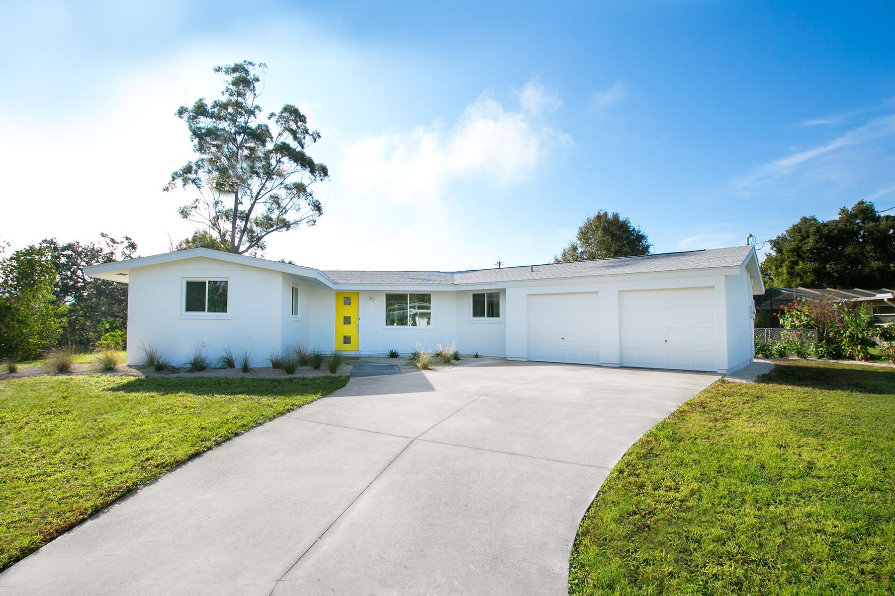 Nhà ở một gia đình vì Bán tại S0RRENTO SHORES 107 Sorrento Dr Nokomis, Florida 34229 Hoa Kỳ