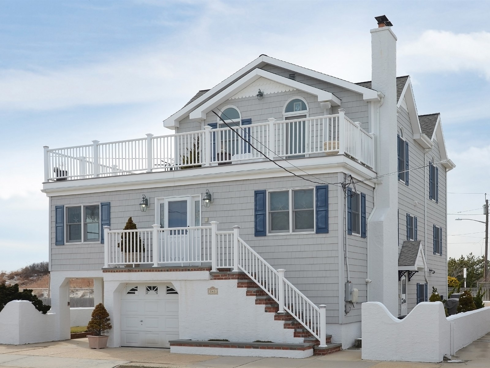 Single Family Home for Sale at Colonial 143 Freeport Ave Point Lookout, New York, 11569 United States