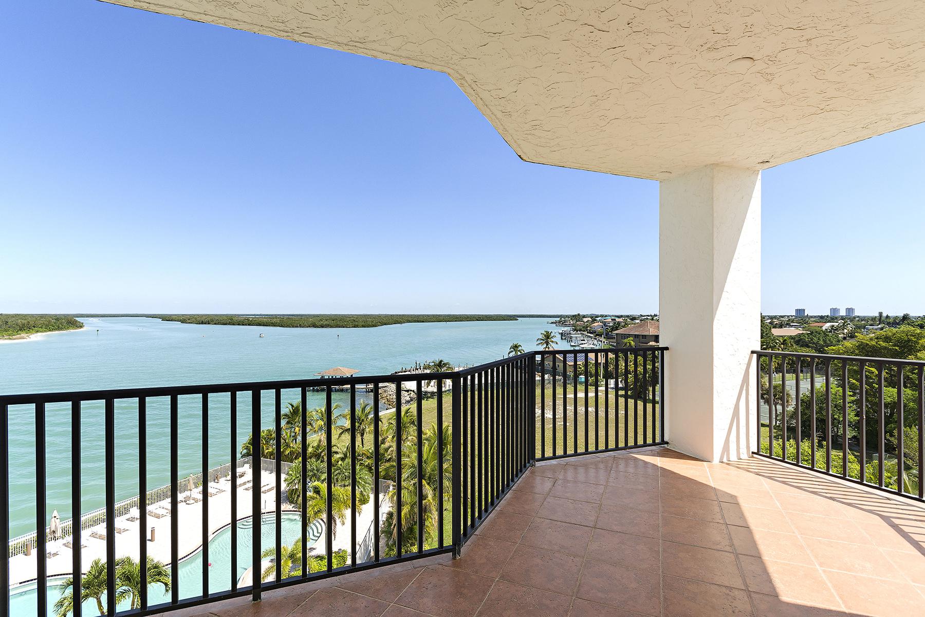 Condomínio para Venda às ISLES OF CAPRI - TWIN DOLPHINS 700 La Peninsula Blvd 506 Naples, Florida, 34113 Estados Unidos