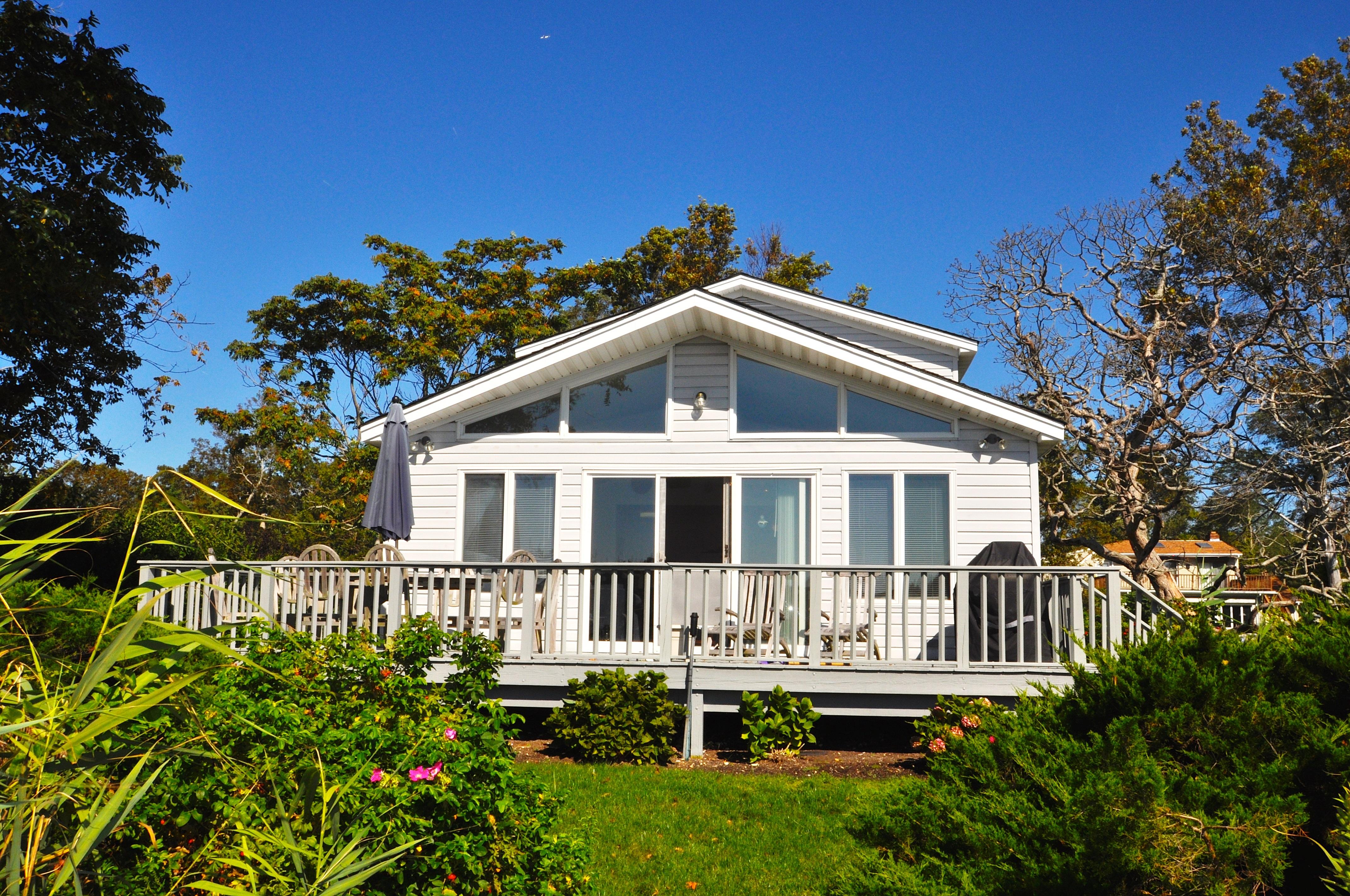 Tek Ailelik Ev için Satış at Cottage Laurel, New York 11948 Amerika Birleşik Devletleri