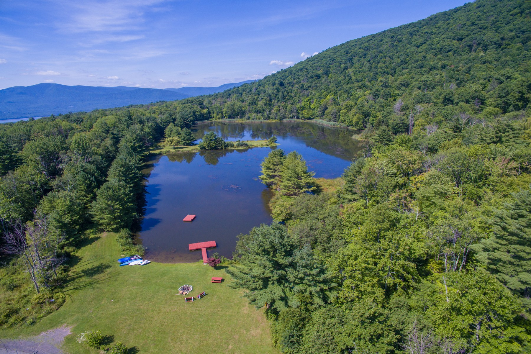 Additional photo for property listing at VanWinkle Farmhouse on Butternut Pond 170  Chase Rd Shokan, Nueva York 12481 Estados Unidos