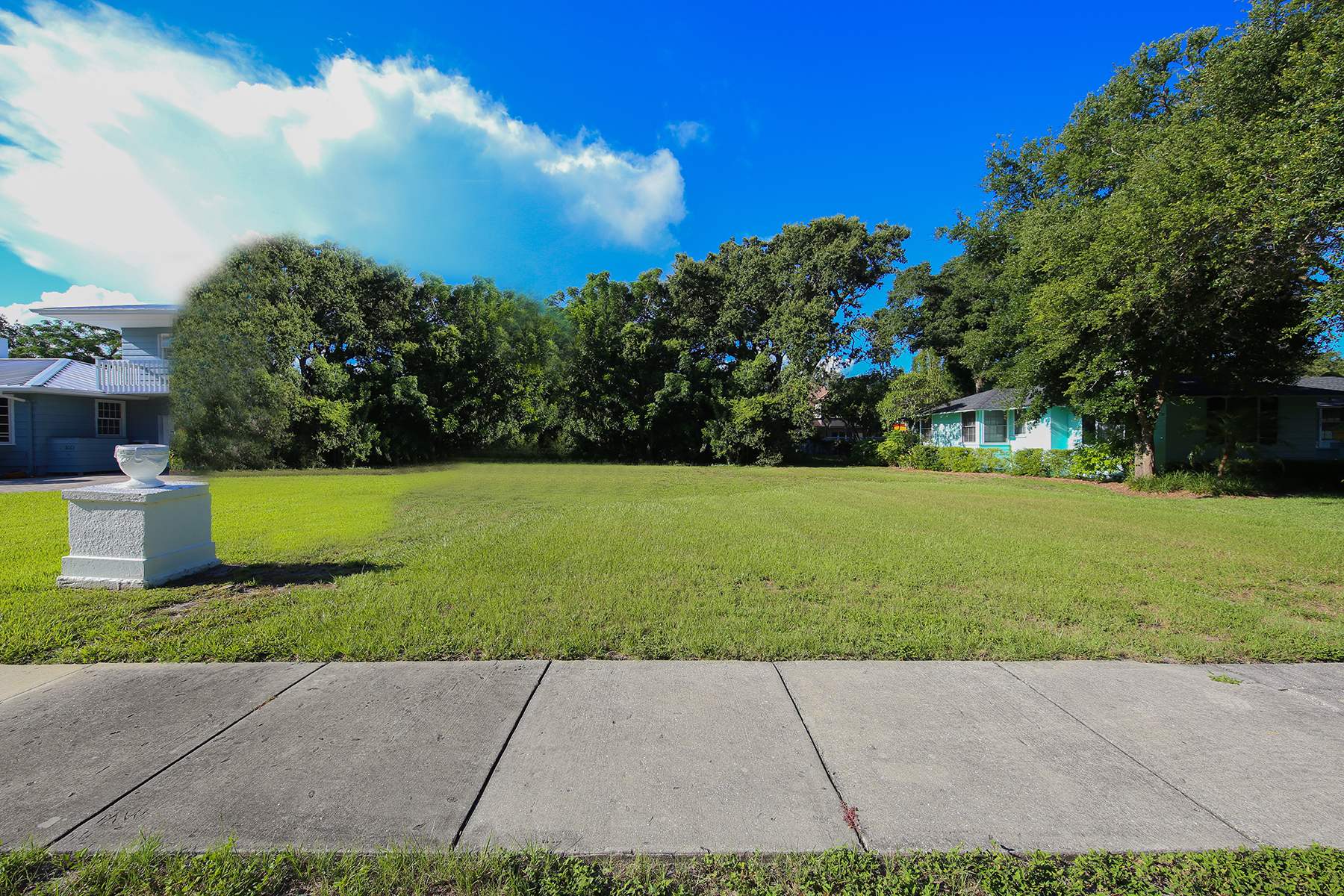 Land for Sale at CHEROKEE PARK 1648 South Dr 0 Sarasota, Florida, 34239 United States