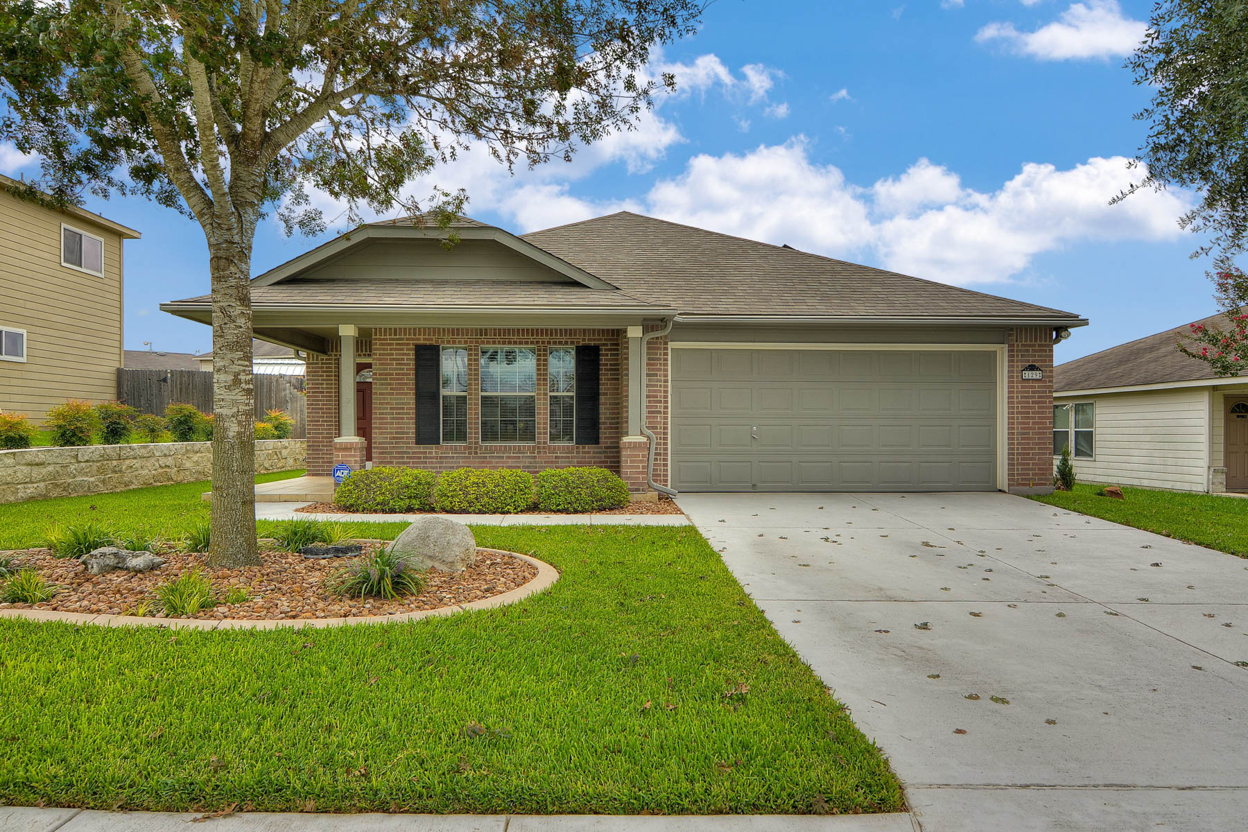 Single Family Home for Sale at Gorgeous Single Story in Willow Bridge 129 S. Willow Way Cibolo, Texas 78108 United States
