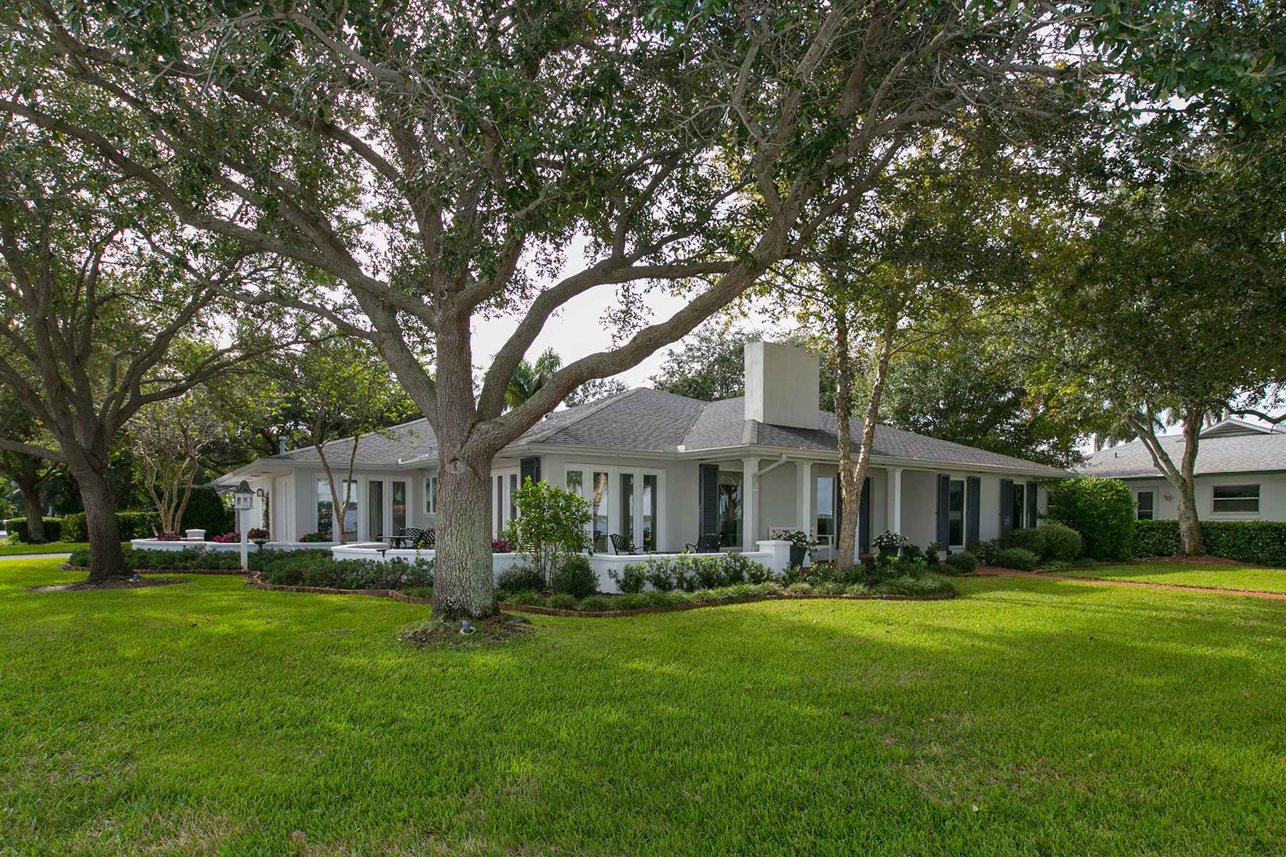 Single Family Home for Sale at MANATEE RIVER REGION 2401 Riverview Blvd Bradenton, Florida, 34205 United States