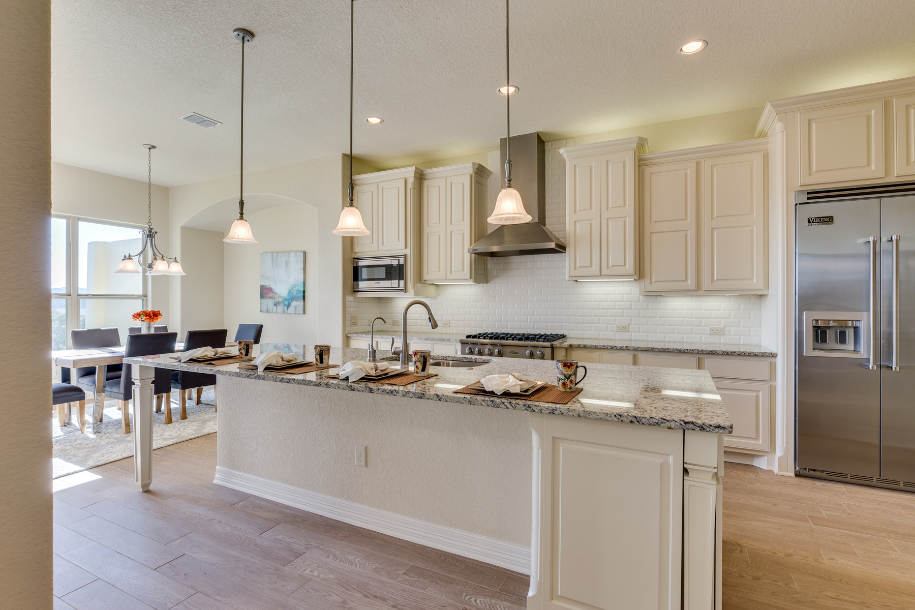 Additional photo for property listing at Stunning New Construction in The Dominion 7214 Bluff Run San Antonio, Texas 78257 United States