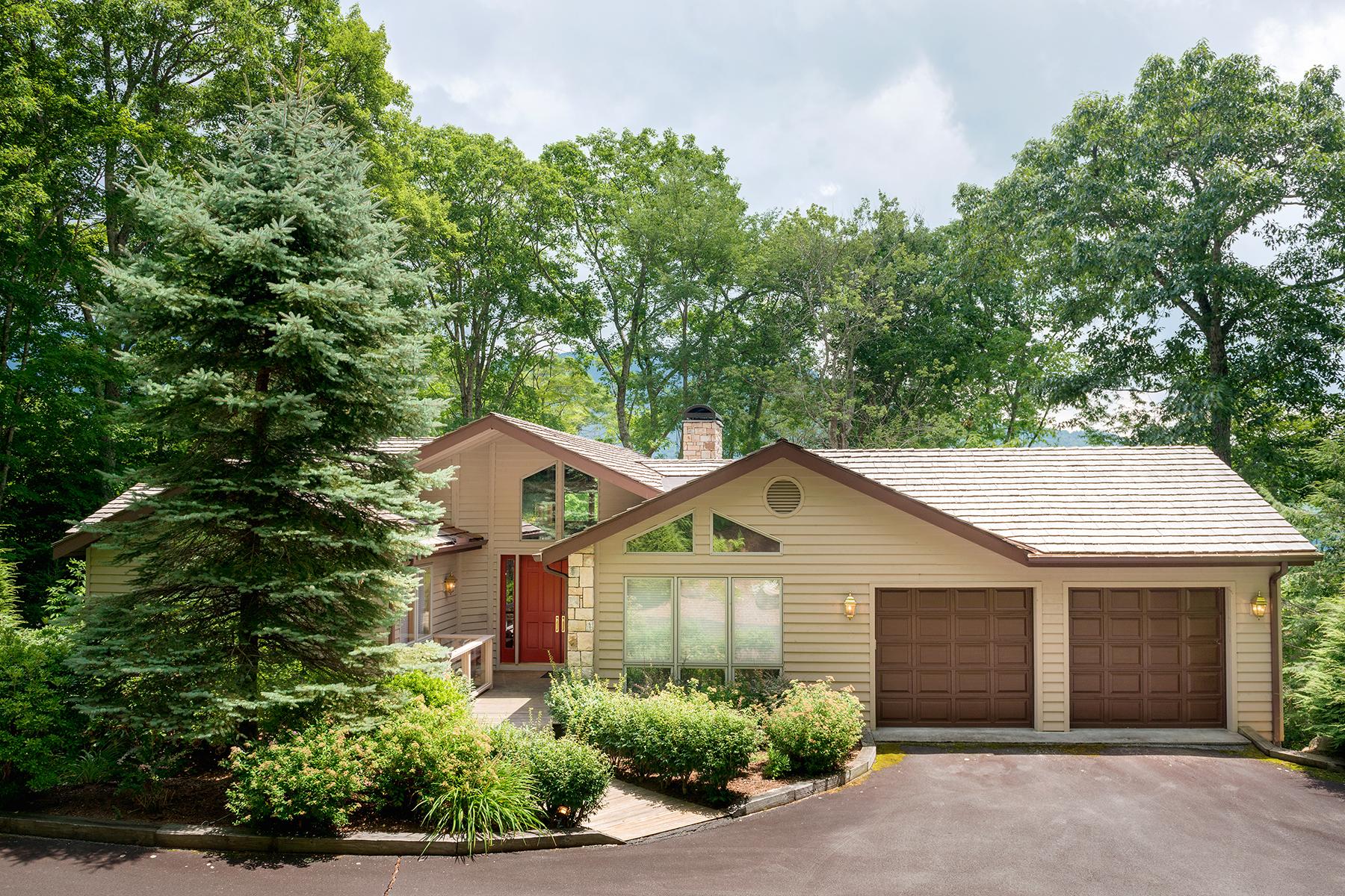 Maison unifamiliale pour l Vente à LINVILLE - LINVILLE RIDGE 1111 Cottage Court Linville, Carolina Du Nord, 28646 États-Unis
