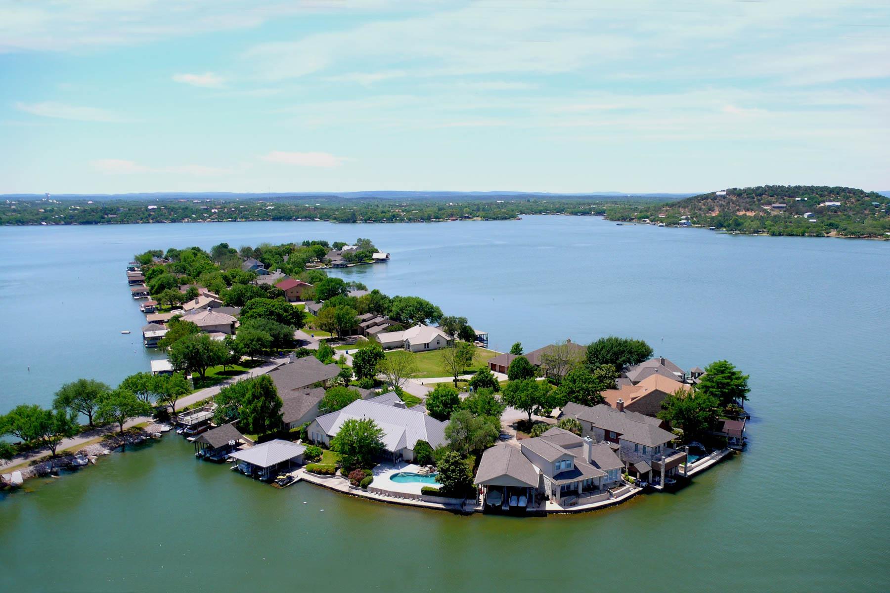 Nhà ở một gia đình vì Bán tại Wonderful Lakehouse on Lake LBJ 47 Beaver Island Granite Shoals, Texas 78654 Hoa Kỳ