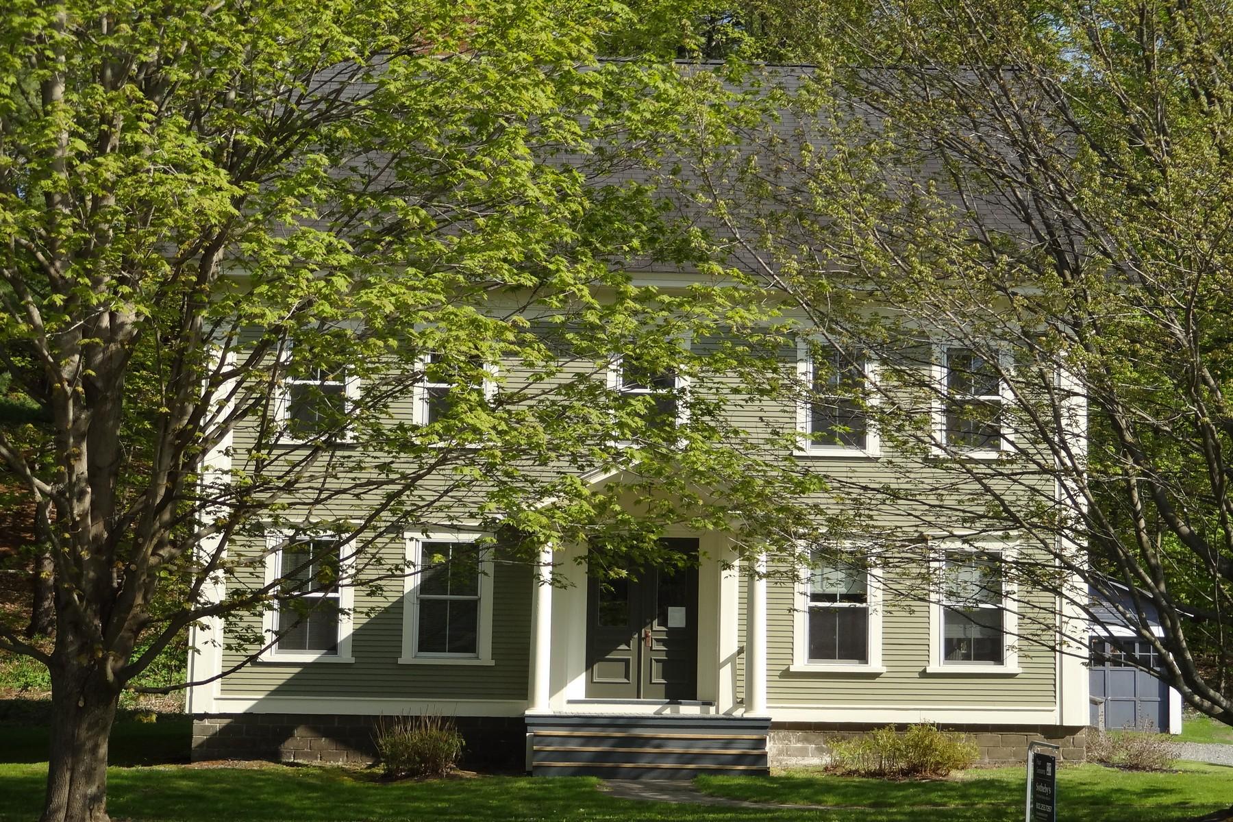 단독 가정 주택 용 매매 에 200 Park St, Morristown Morristown, 베르몬트, 05661 미국