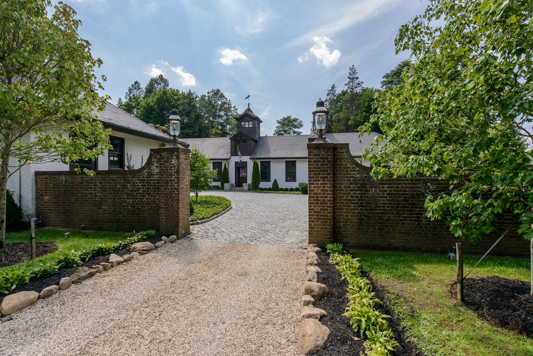 Villa per Vendita alle ore AntiqueHist 52 Sandy Hill Rd Oyster Bay Cove, New York, 11771 Stati Uniti