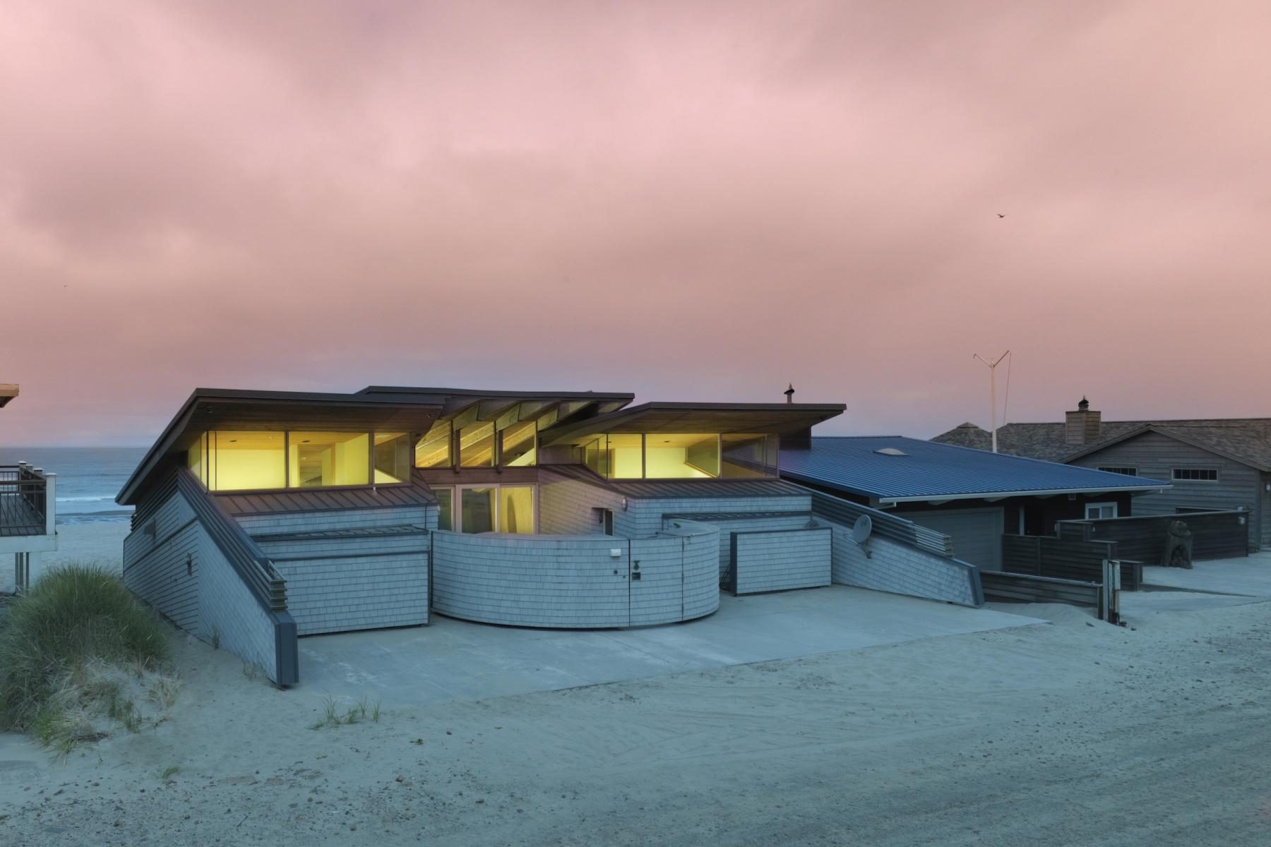 Nhà ở một gia đình vì Bán tại 34510 OCEAN DR, PACIFIC CITY Pacific City, Oregon, 97135 Hoa Kỳ