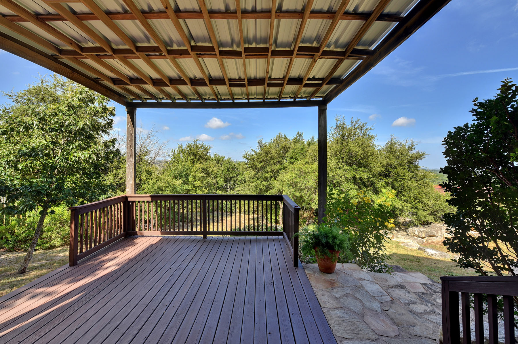 Additional photo for property listing at Great Location! Great Views! Great Price! 1402 Sledge Dr Lakeway, Texas 78734 Estados Unidos