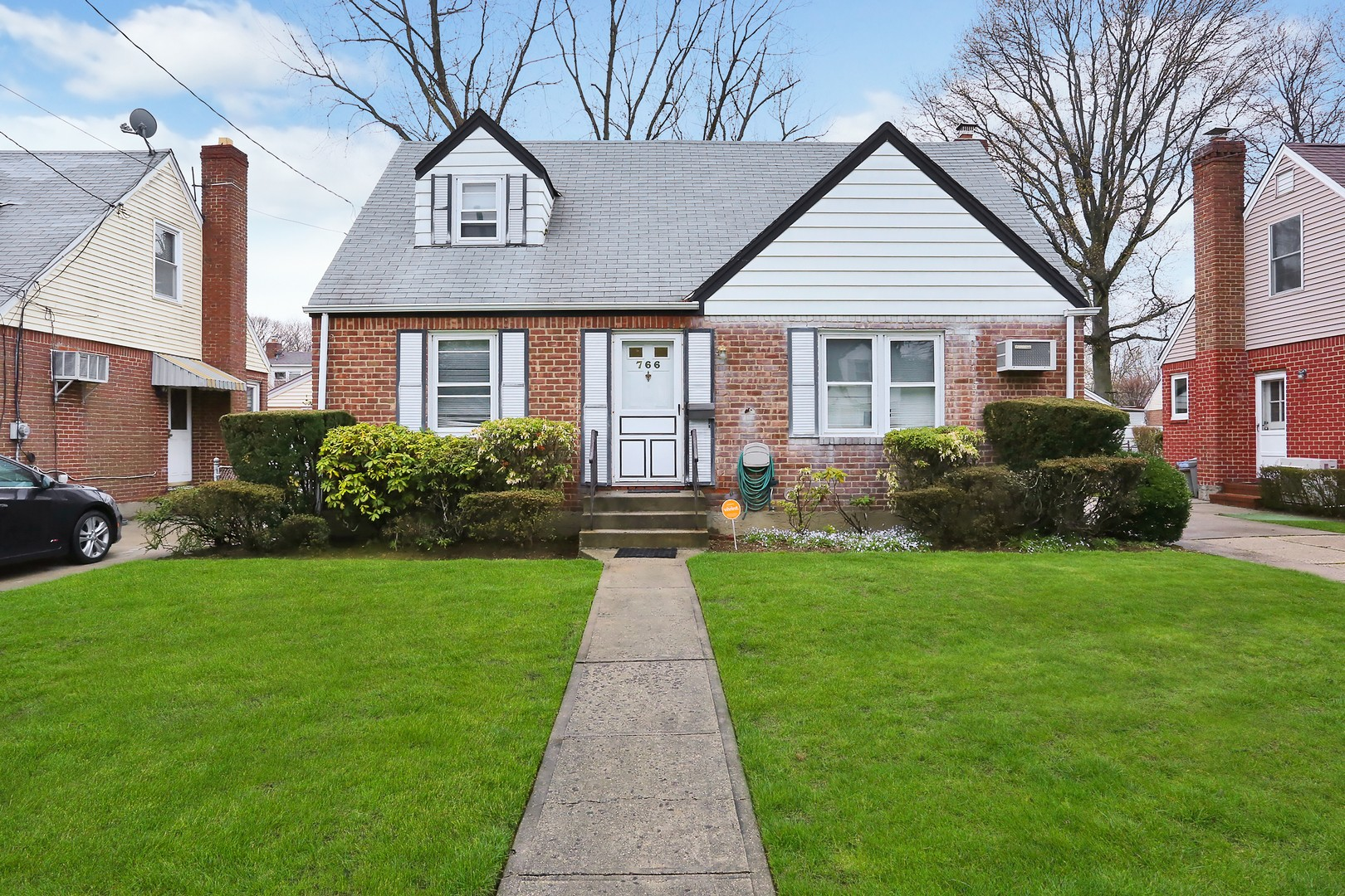 Single Family Home for Sale at Cape 766 Harrison St West Hempstead, New York, 11552 United States