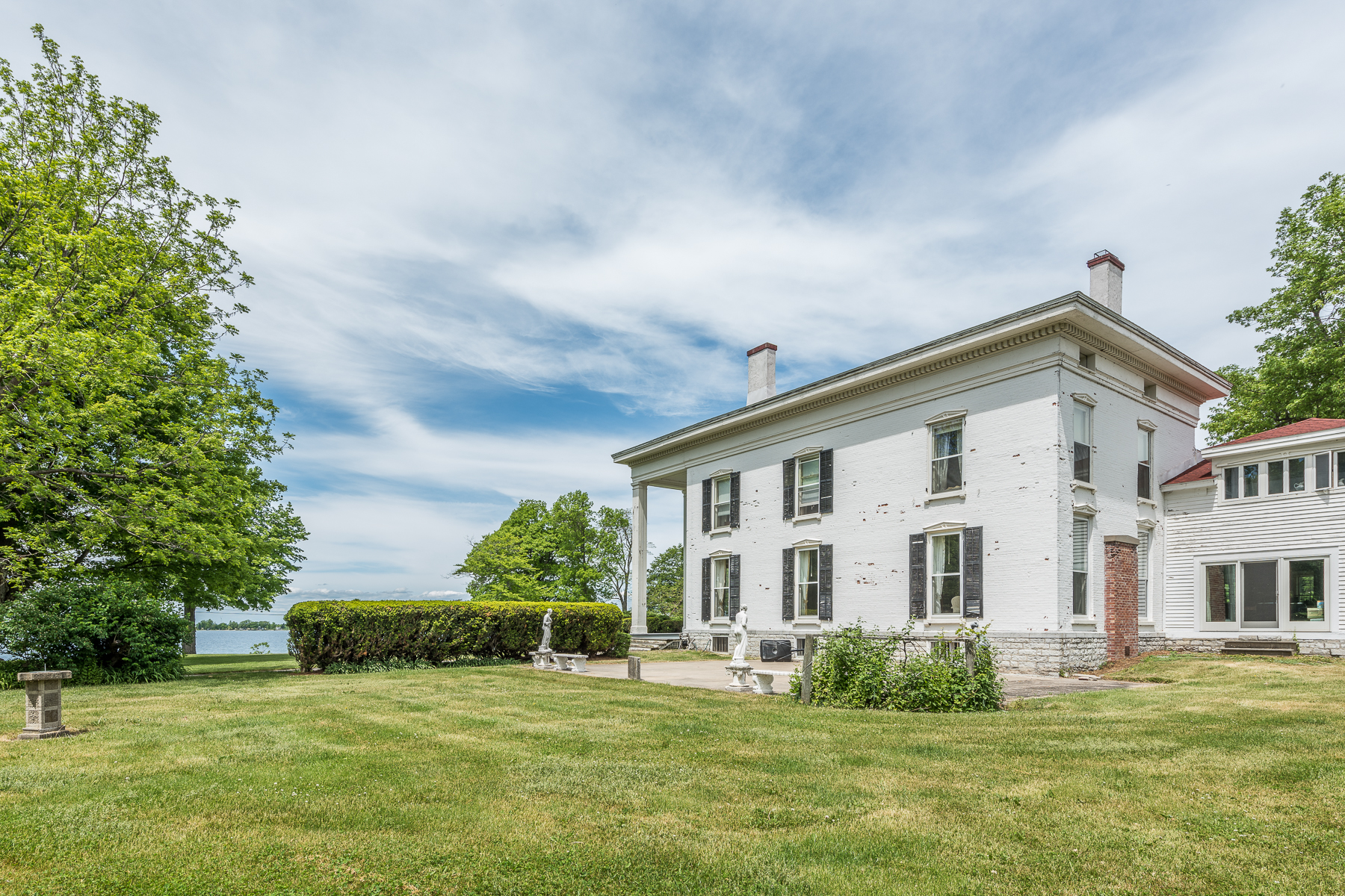 Additional photo for property listing at Cape Vincent Estate 31429  County Route 6 Cape Vincent, New York 13618 United States