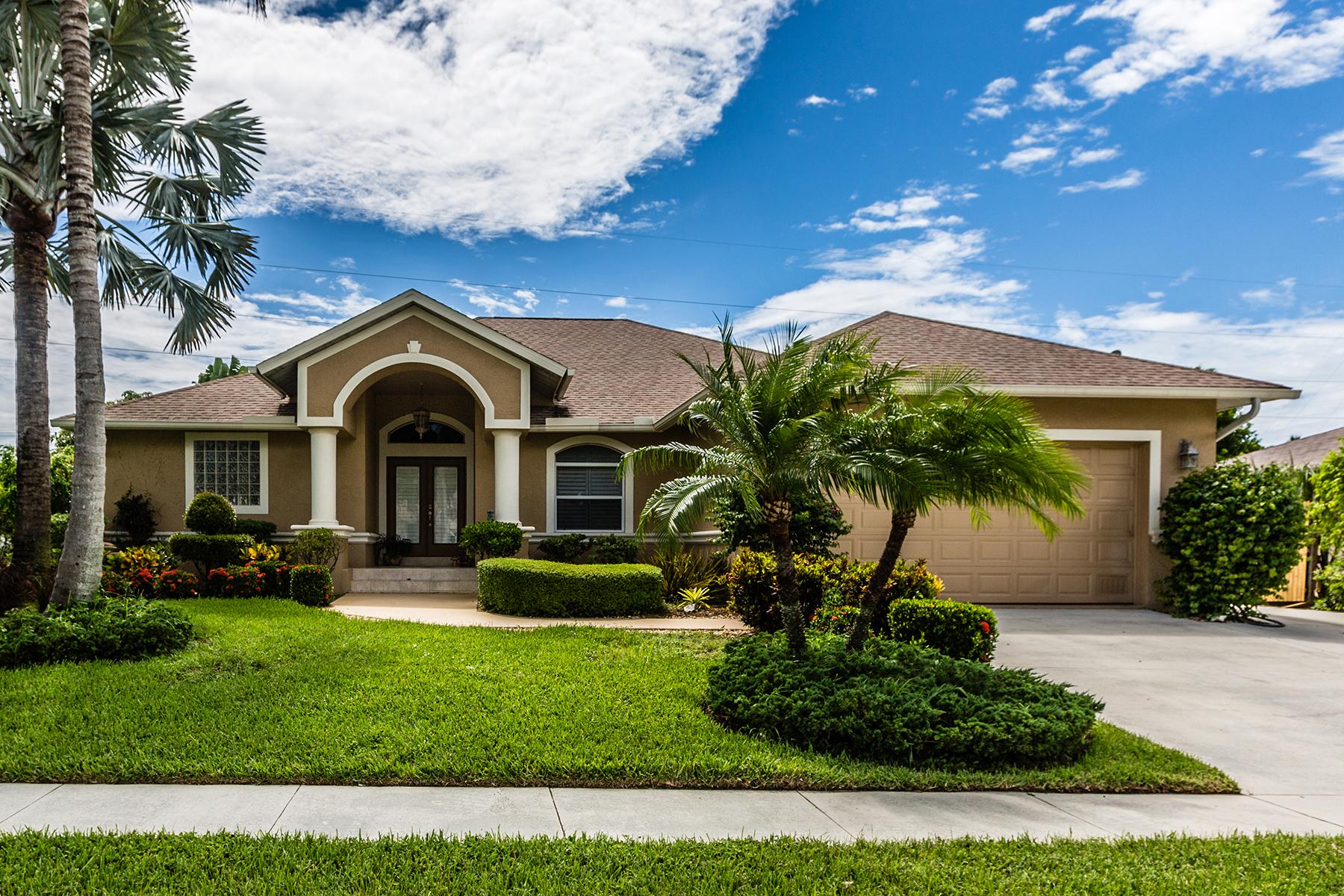 独户住宅 为 销售 在 MARCO ISLAND 152 Leland Way 马可岛, 佛罗里达州, 34145 美国