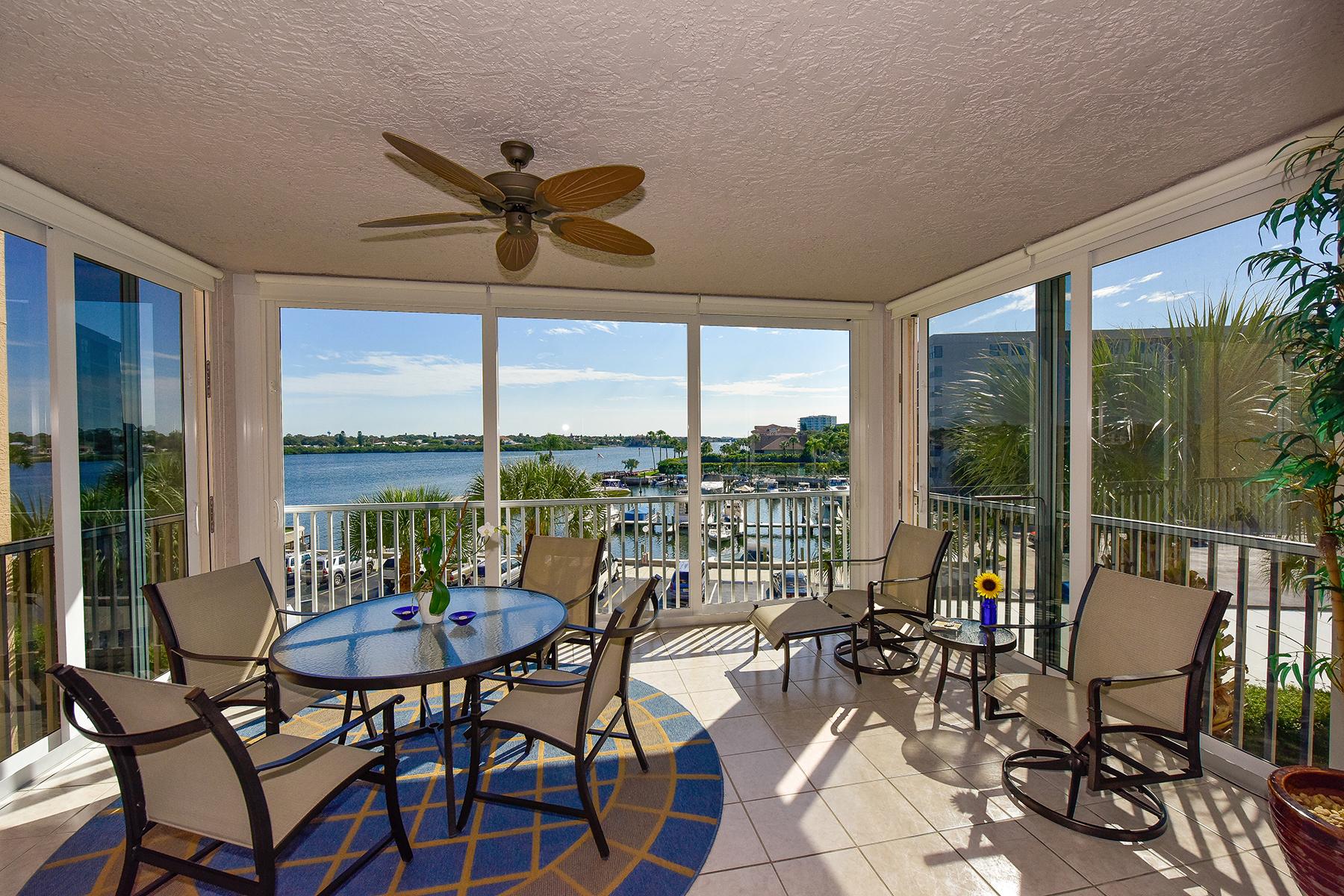 Nhà chung cư vì Bán tại SIESTA KEY 1260 Dolphin Bay Way 302 Sarasota, Florida 34242 Hoa Kỳ