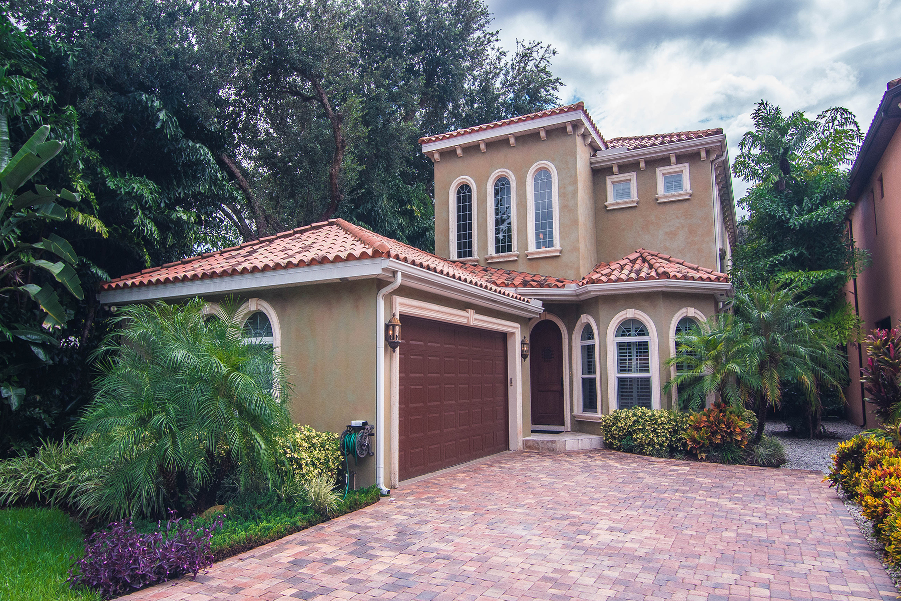 Moradia para Venda às SOUTH TAMPA 6008 Interbay Blvd Tampa, Florida 33611 Estados Unidos