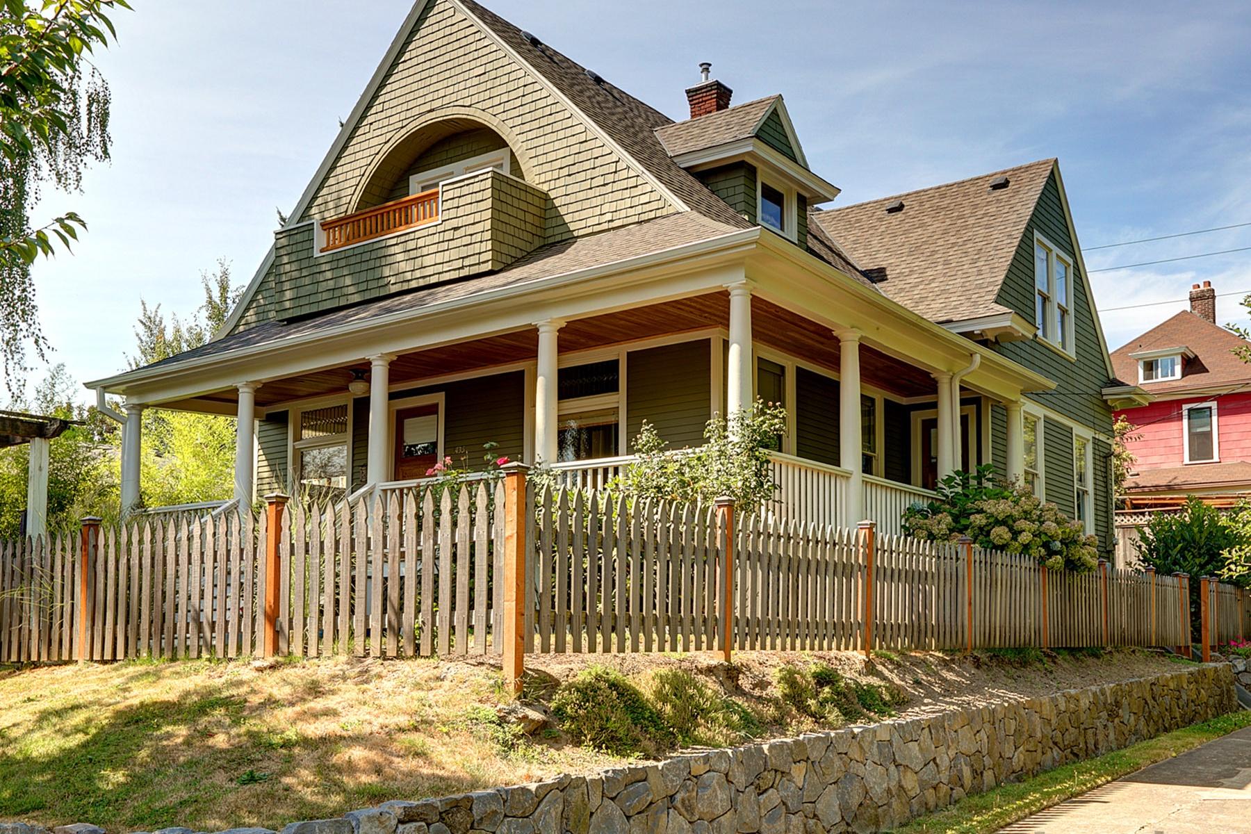 独户住宅 为 销售 在 Stunning Hawthorne Classic 1435 SE SALMON St 波特兰, 俄勒冈州, 97214 美国