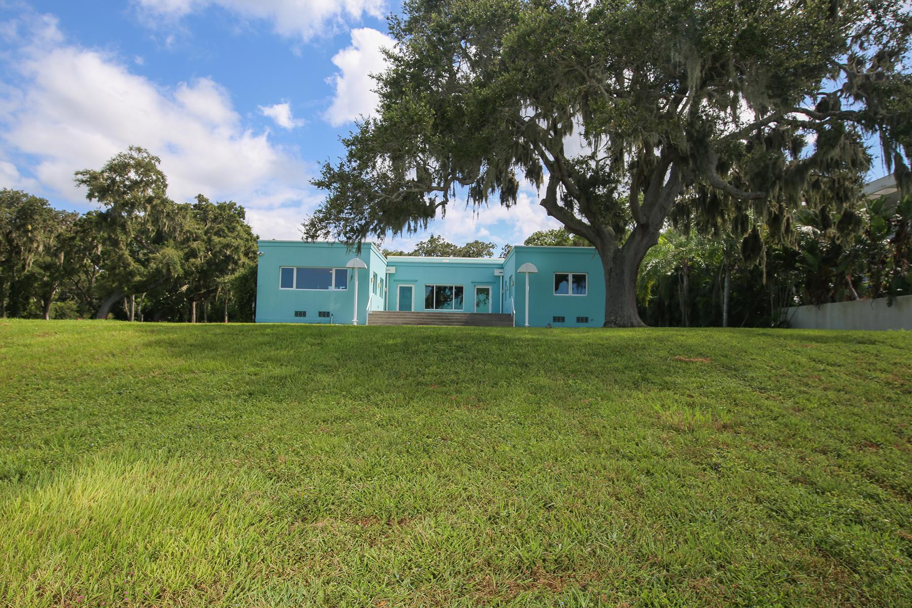 Maison unifamiliale pour l Vente à SARASOTA BAY PARK 916 Indian Beach Dr Sarasota, Florida, 34234 États-Unis