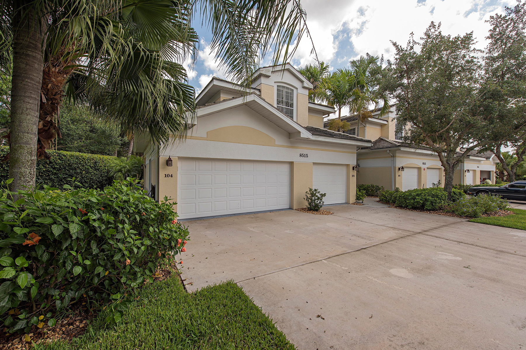 Кондоминиум для того Продажа на LELY COUNTRY CLUB 8515 Mystic Greens Way 104 Naples, Флорида, 34113 Соединенные Штаты