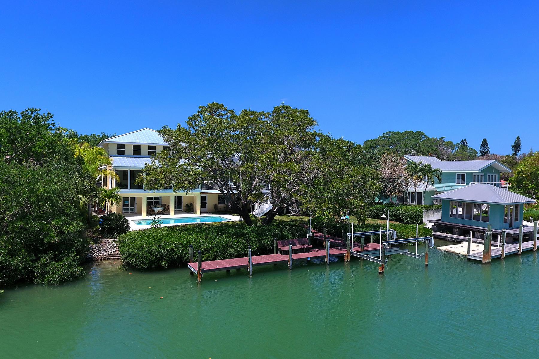独户住宅 为 销售 在 SIESTA KEY 3969 Roberts Point Rd 萨拉索塔, 佛罗里达州, 34242 美国