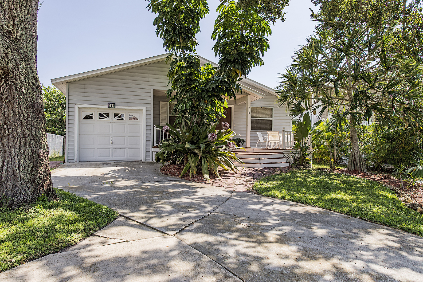 Single Family Home for Sale at NAPLES PARK - 96TH AVE N 518 96th Ave N Naples, Florida 34108 United States