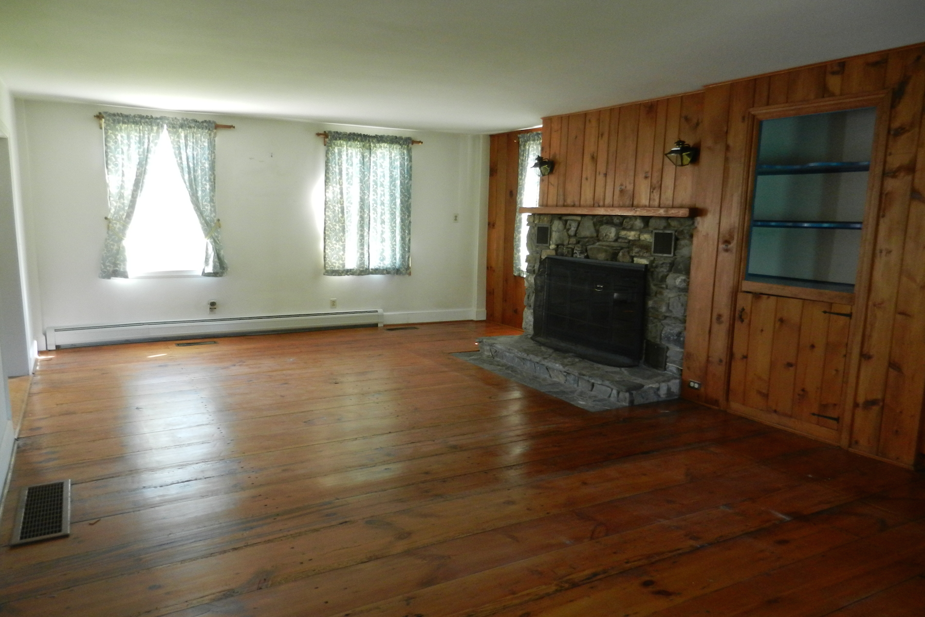 Additional photo for property listing at Wee Manor 205  Hanley Rd Chatham, Нью-Йорк 12123 Соединенные Штаты