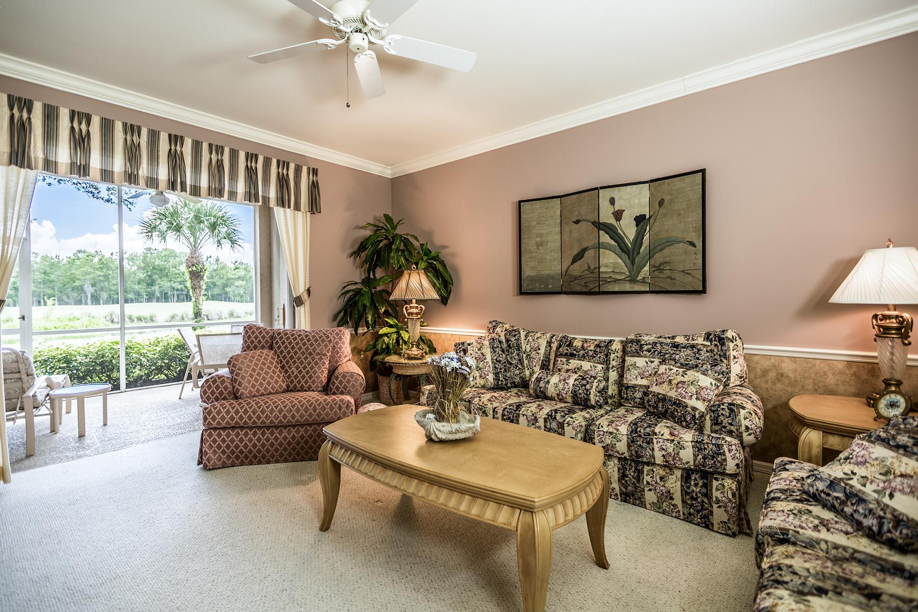 Condominio por un Venta en NAPLES - CEDAR HAMMOCK 8630 Cedar Hammock Cir 1011 Naples, Florida, 34112 Estados Unidos