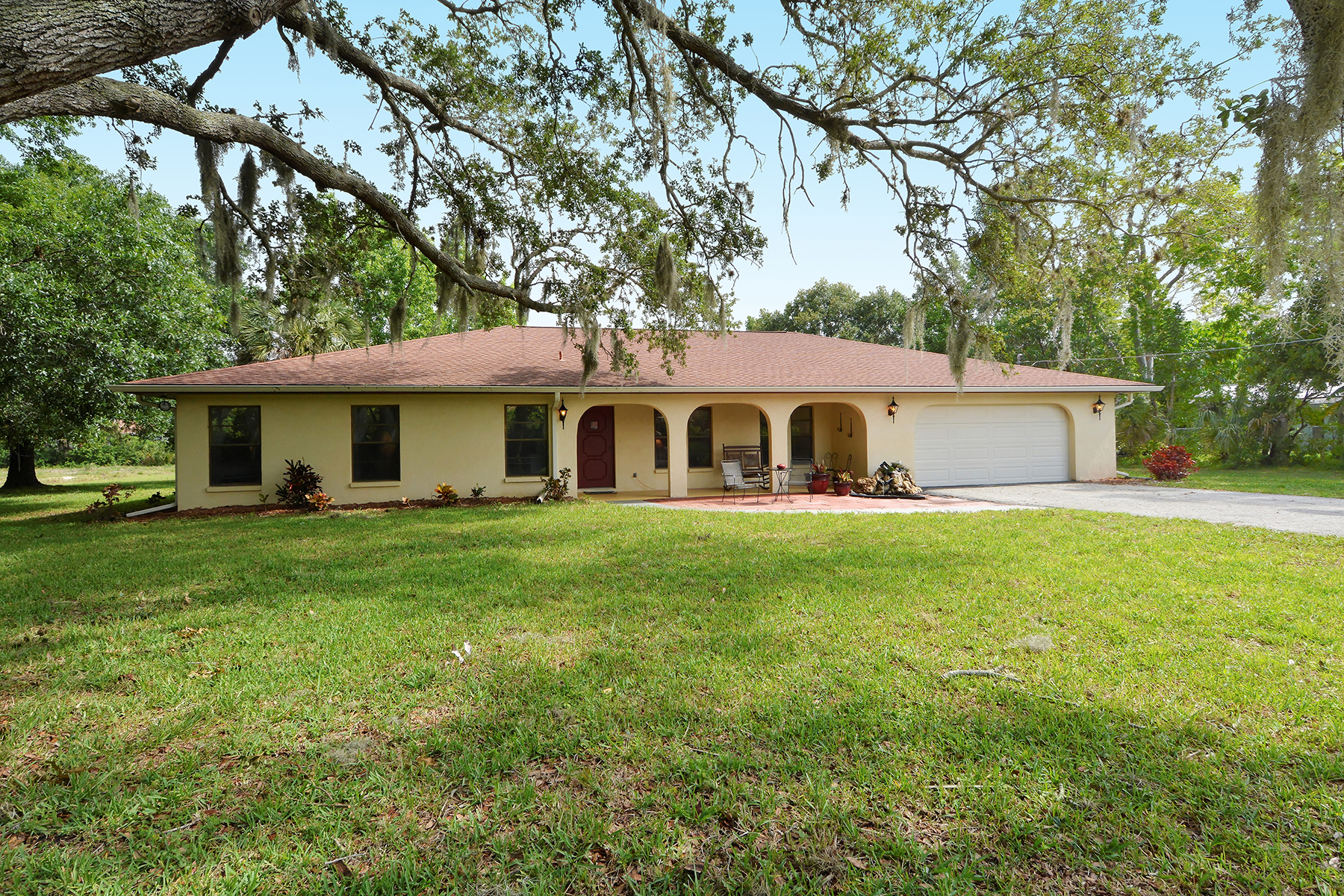 Single Family Home for Sale at MISSION VALLEY ESTATES 2271 Mission Valley Blvd Nokomis, Florida, 34275 United States