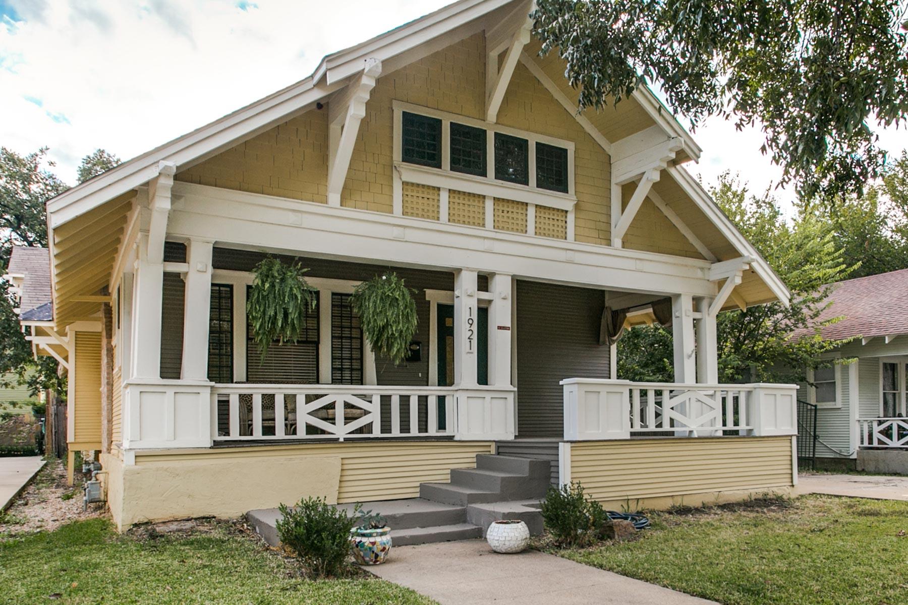 Moradia para Venda às 1921 Hurley Avenue, Fort Worth Fort Worth, Texas, 76110 Estados Unidos