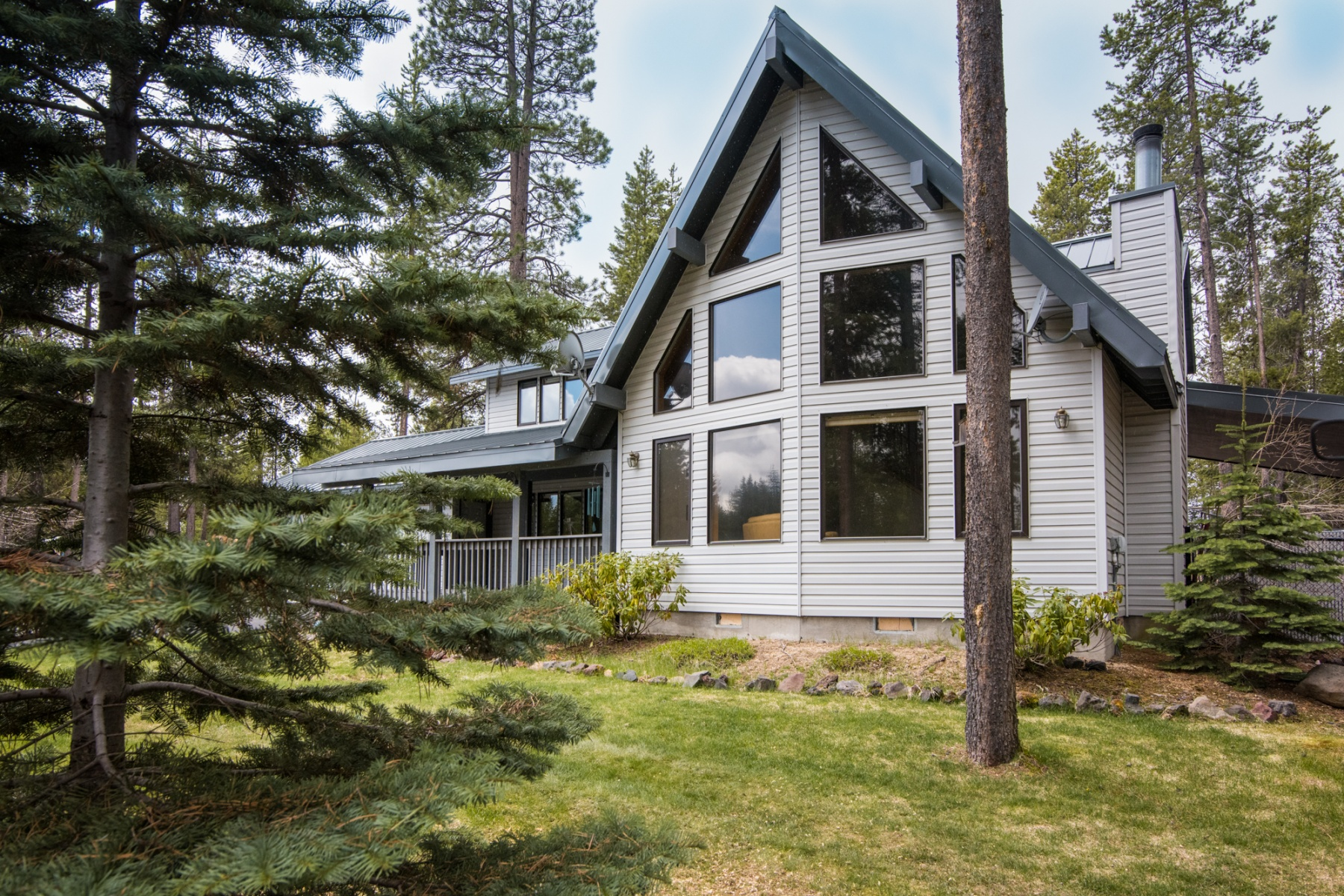 Single Family Home for Sale at Great Mountain Get Away 140362 Pine Creek Loop Crescent Lake, Oregon, 97733 United States