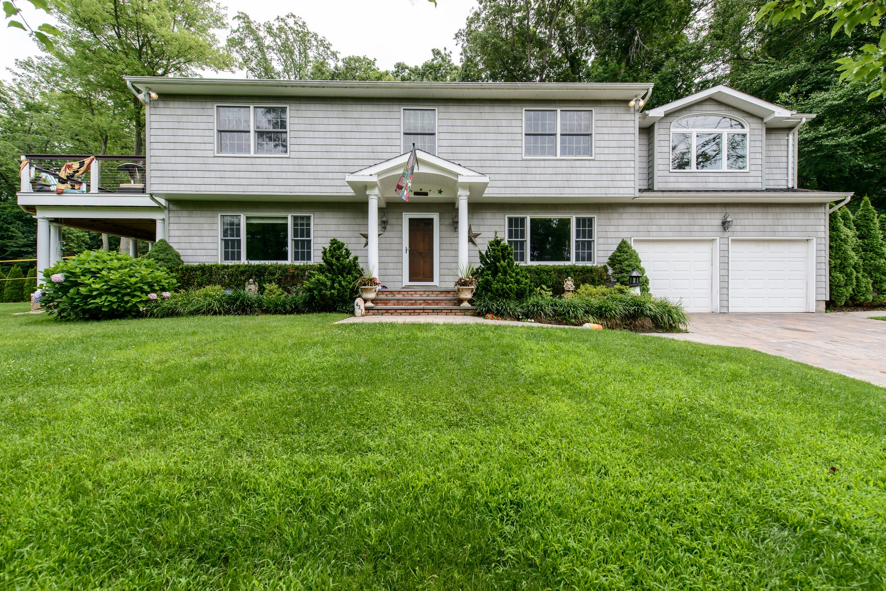 Single Family Home for Sale at Colonial 437 Locust Ave Centre Island, New York 11771 United States