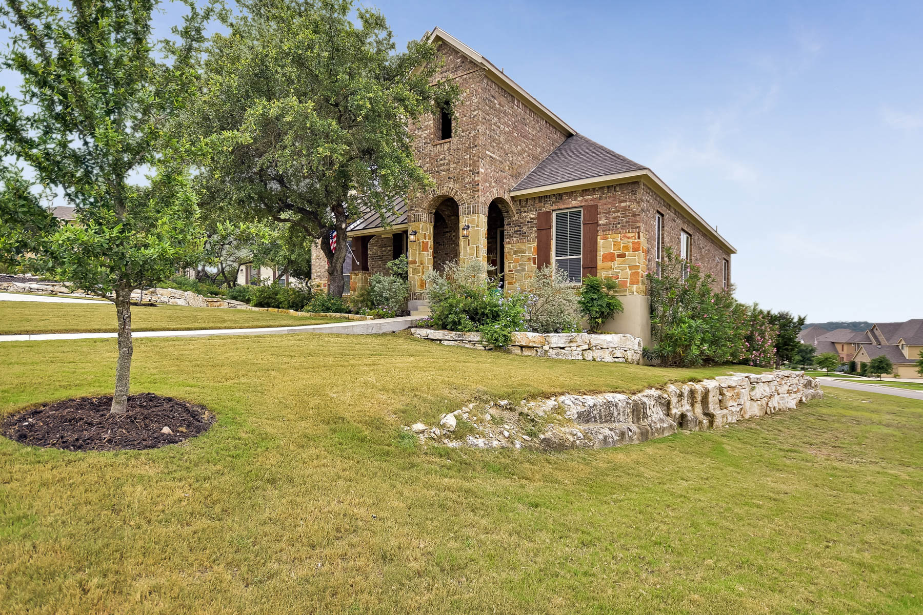 Additional photo for property listing at Beautiful 2-Story Country Estate on Corner Lot 3202 Aztec Mission San Antonio, Texas 78261 Estados Unidos