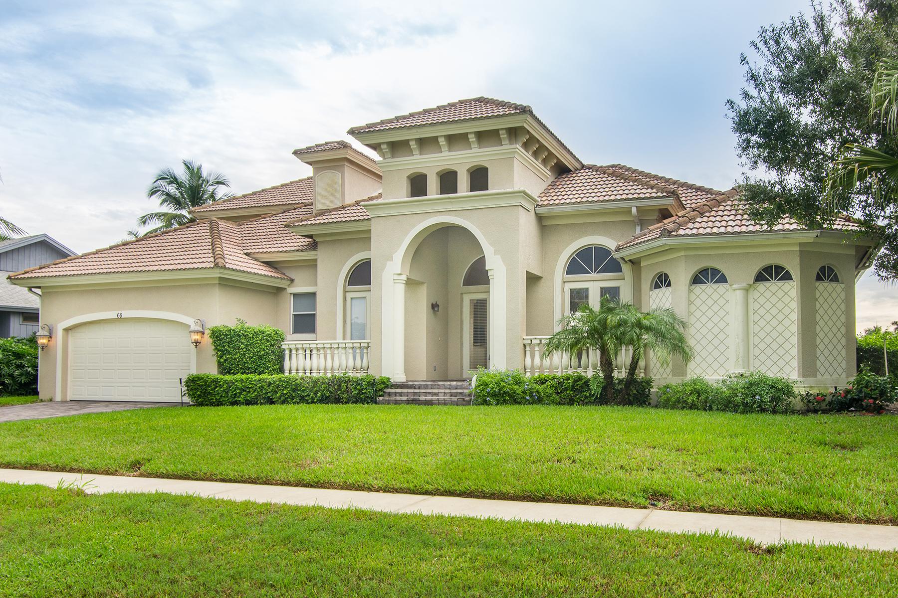 Maison unifamiliale pour l Vente à MARCO ISLAND - N BARFIELD DRIVE 65 N Barfield Dr Marco Island, Florida 34145 États-Unis