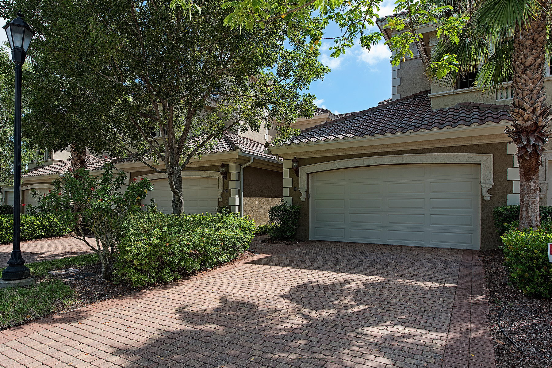 Nhà chung cư vì Bán tại FIDDLER'S CREEK - VARENNA 9223 Corfu Ct 103 Naples, Florida 34114 Hoa Kỳ