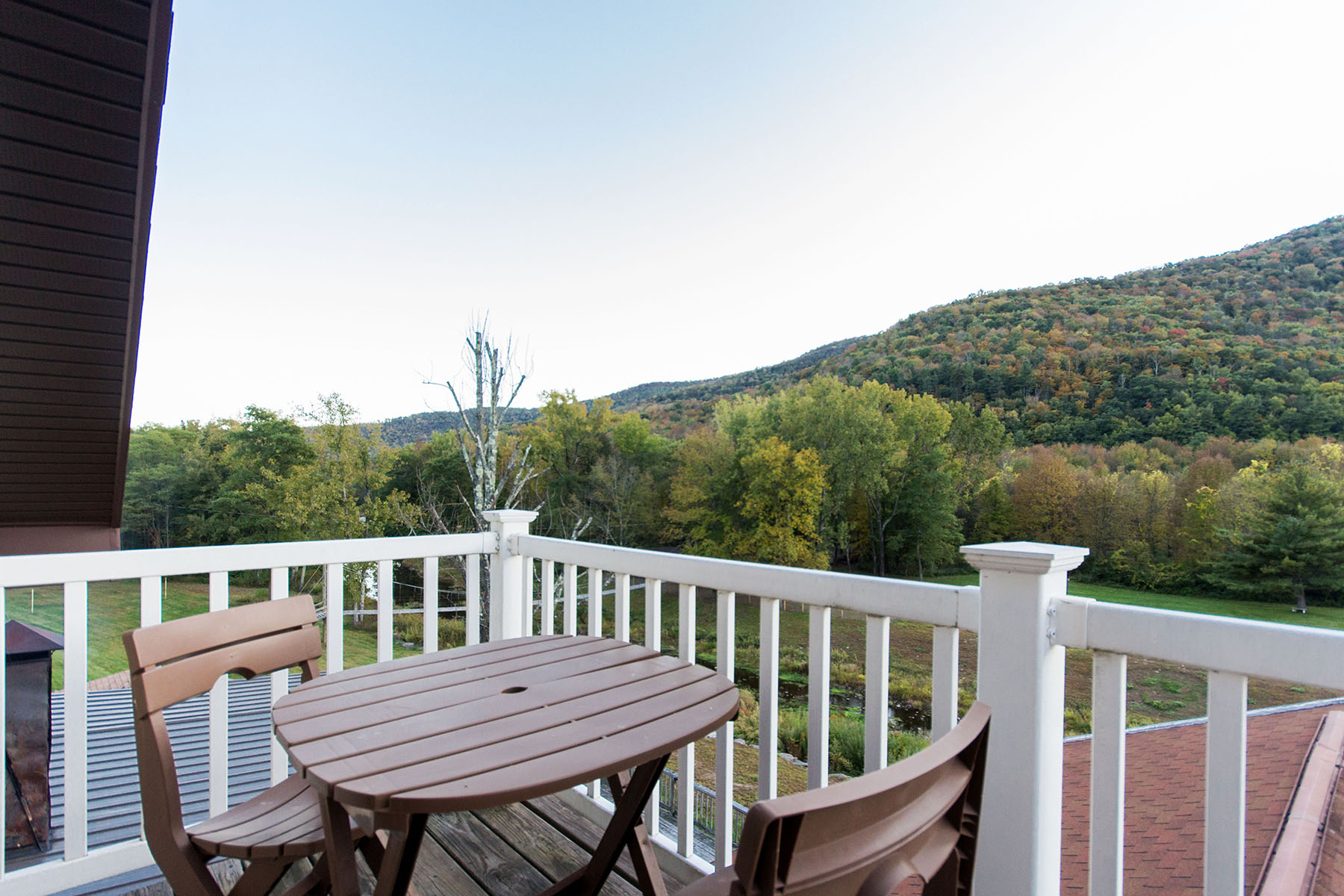 Additional photo for property listing at Copperhood Resort & Spa 7039  State Route 28 Shandaken, New York 12480 États-Unis