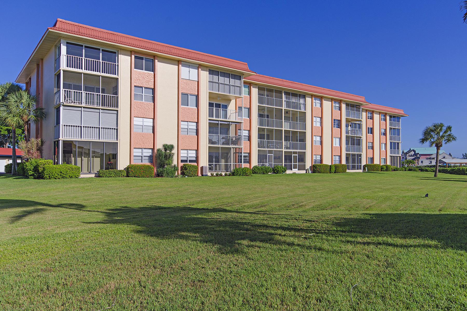 Eigentumswohnung für Verkauf beim MARINERS COVE 305 Goodlette Rd S C-203 Naples, Florida, 34102 Vereinigte Staaten