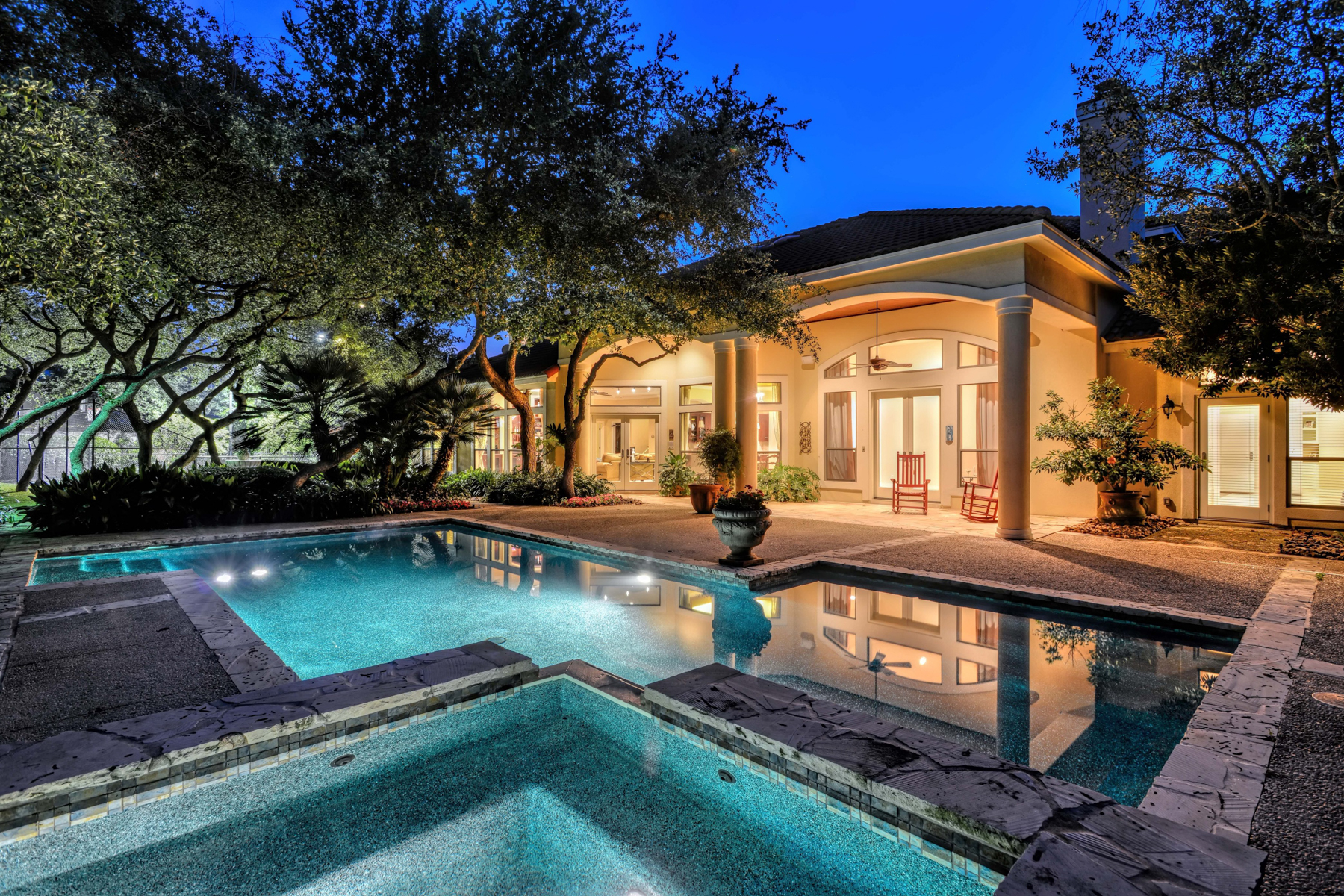 Additional photo for property listing at Meticulously Maintained Mediterranean Beauty 22 Sanctuary Dr San Antonio, Texas 78248 Estados Unidos