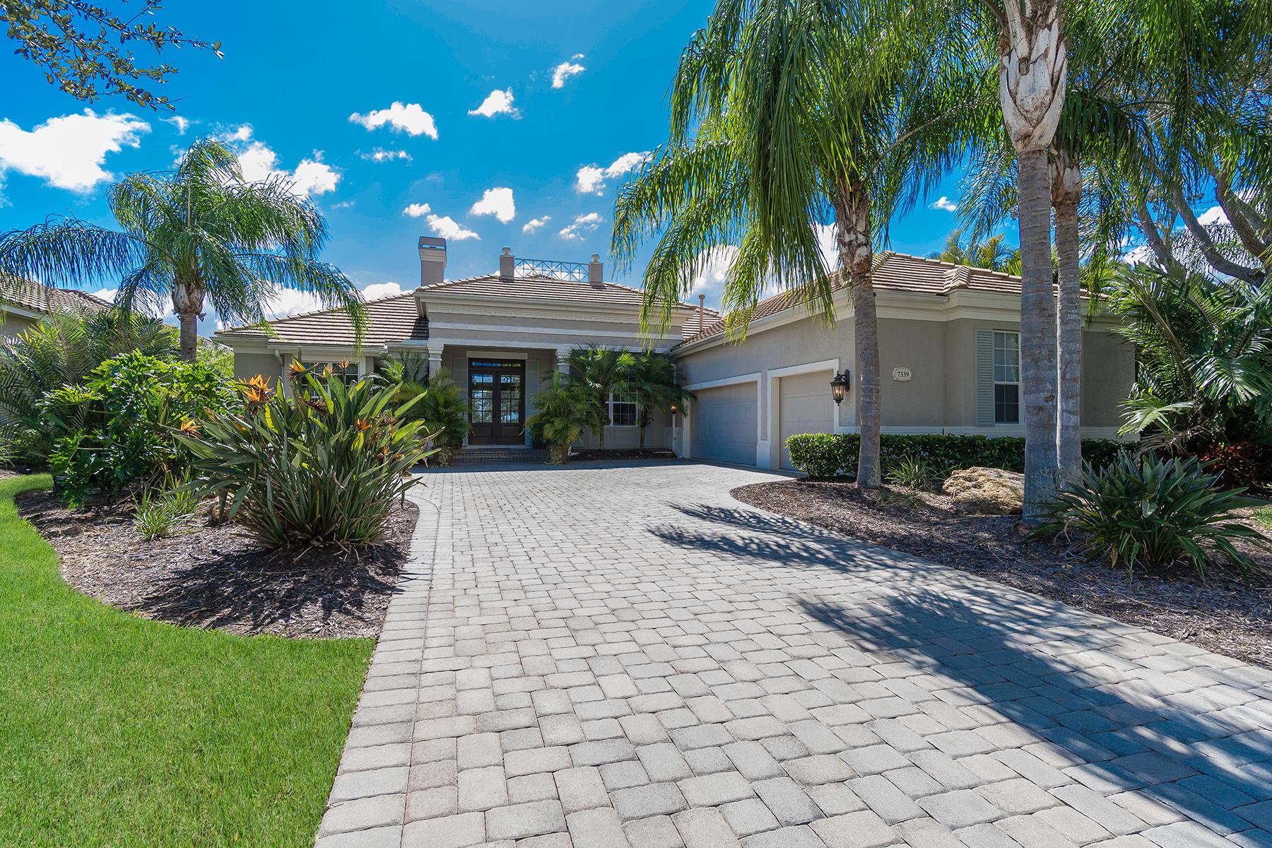 独户住宅 为 销售 在 LAKEWOOD RANCH COUNTRY CLUB 7339 Greystone St 莱克伍德牧场, 佛罗里达州, 34202 美国