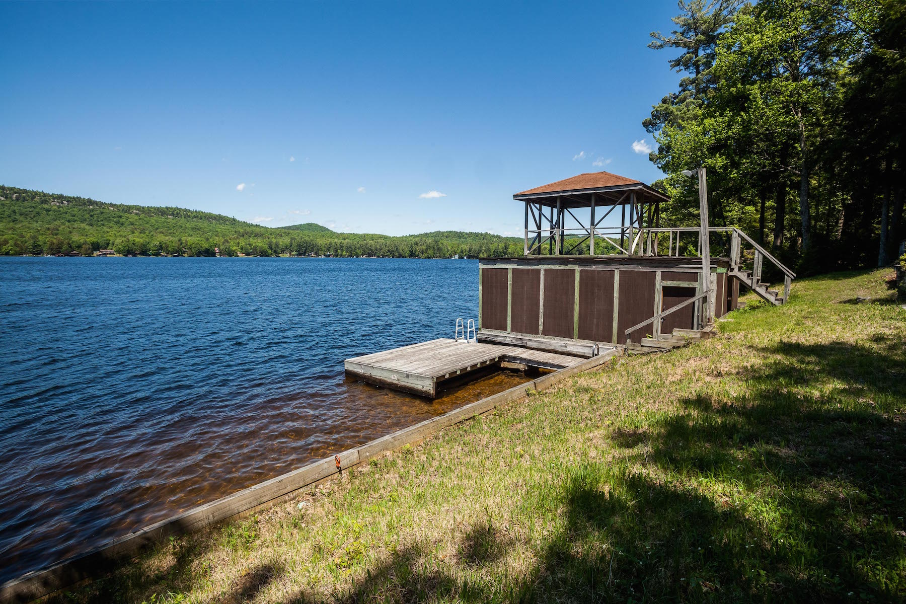 Additional photo for property listing at Lakefront Camp on Third Lake 197  Old Boy Scout Road Old Forge, New York 13420 États-Unis