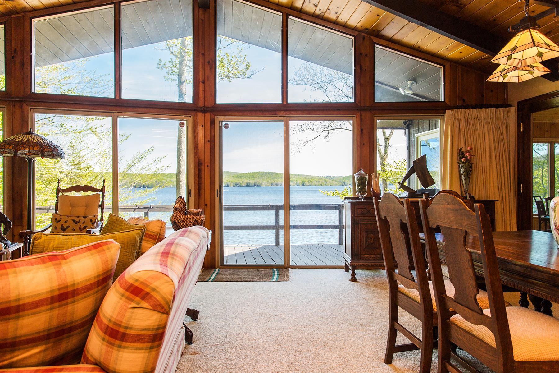 Частный односемейный дом для того Продажа на Peck Lake Gem 524 North Shore Rd Bleecker, Нью-Йорк 12078 Соединенные Штаты